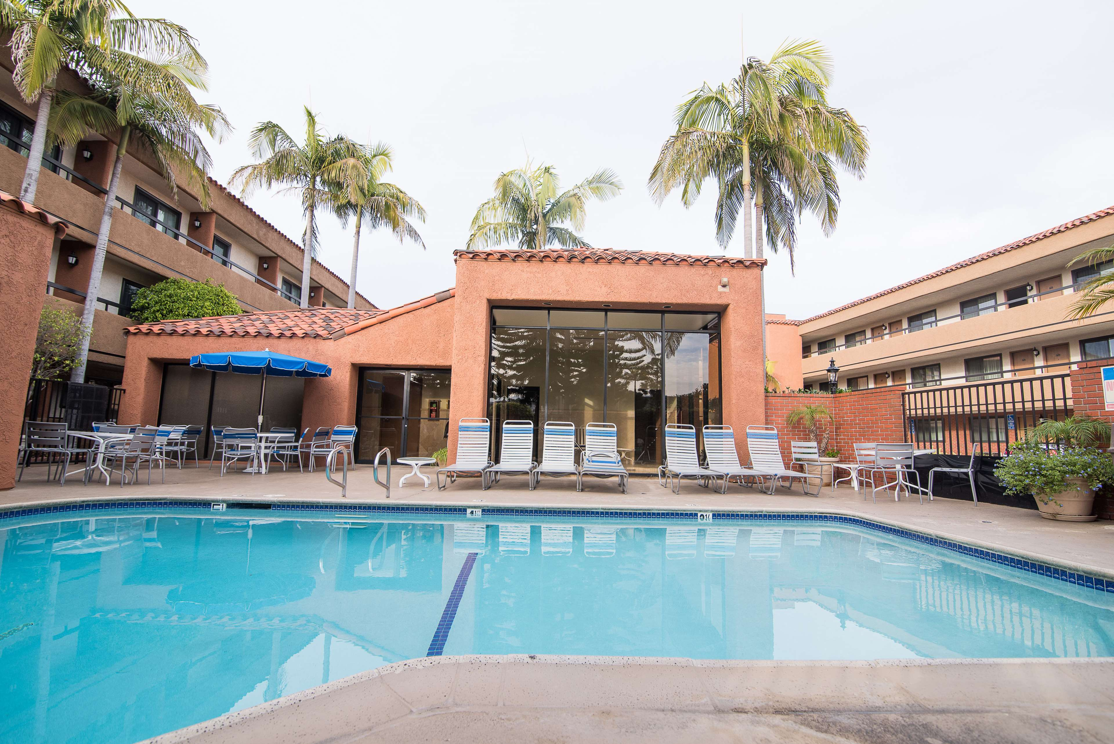 Best Western Plus Redondo Beach Inn image 2