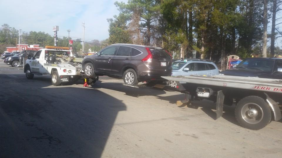 PJ's Towing & Recovery image 9