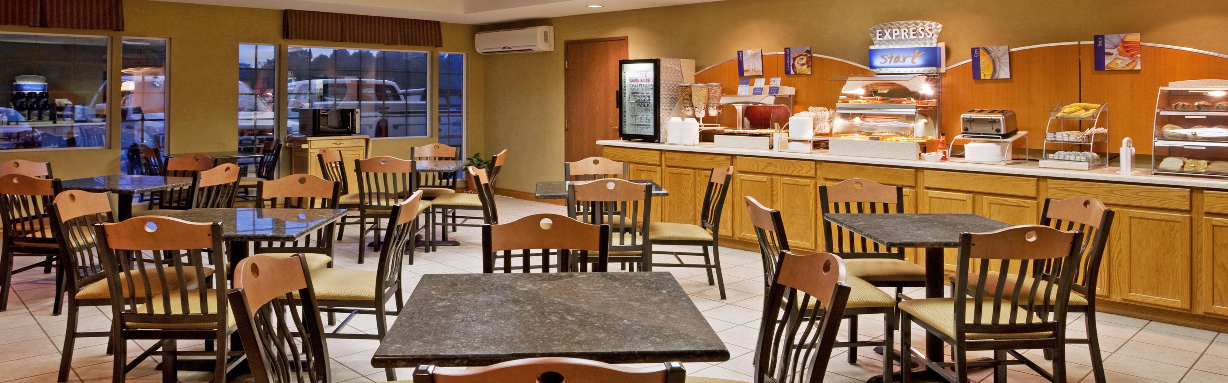 Holiday Inn Express Murrysville-Delmont image 3