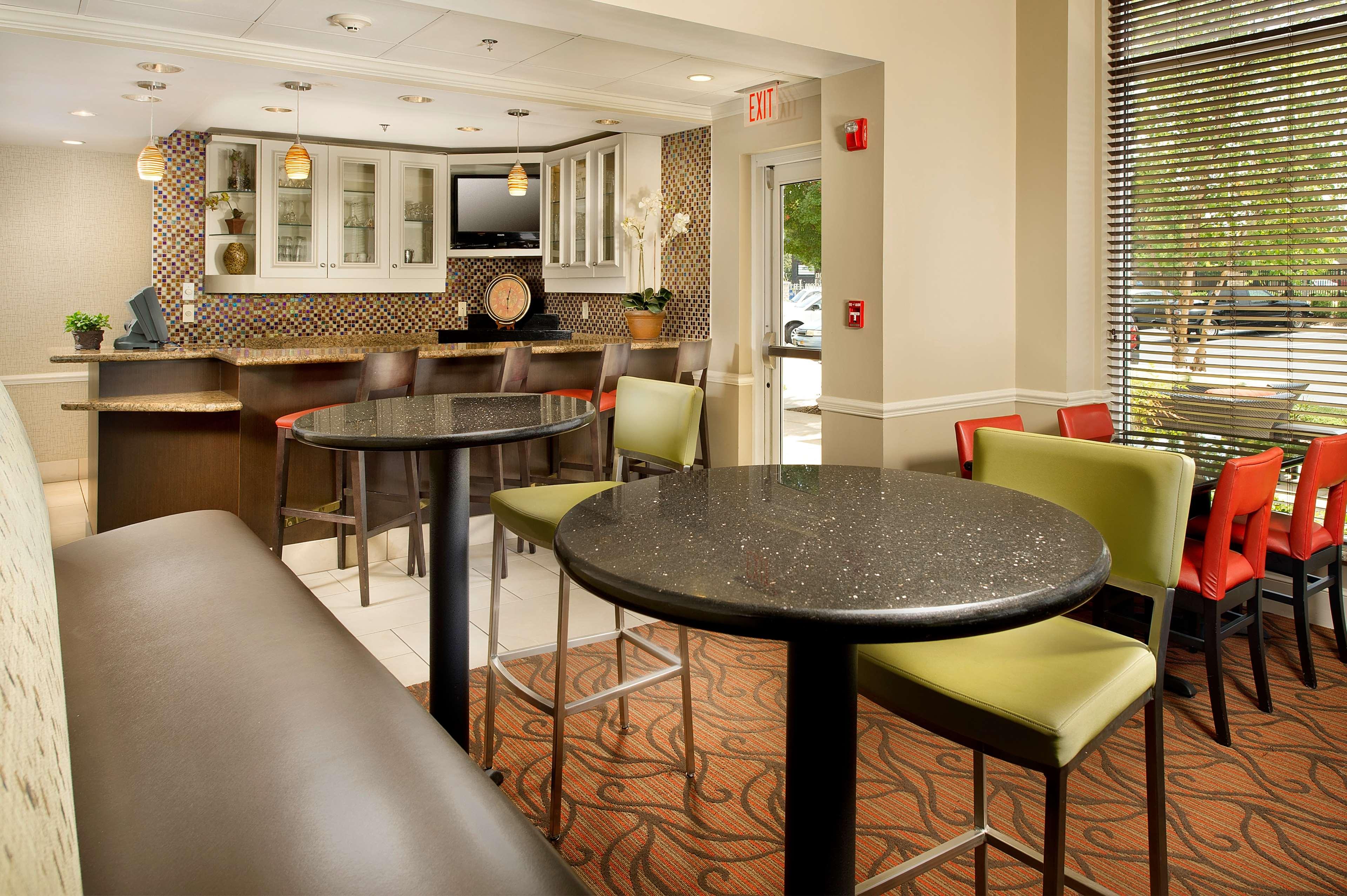 Hilton Garden Inn Chattanooga/Hamilton Place 2343 Shallowford ...