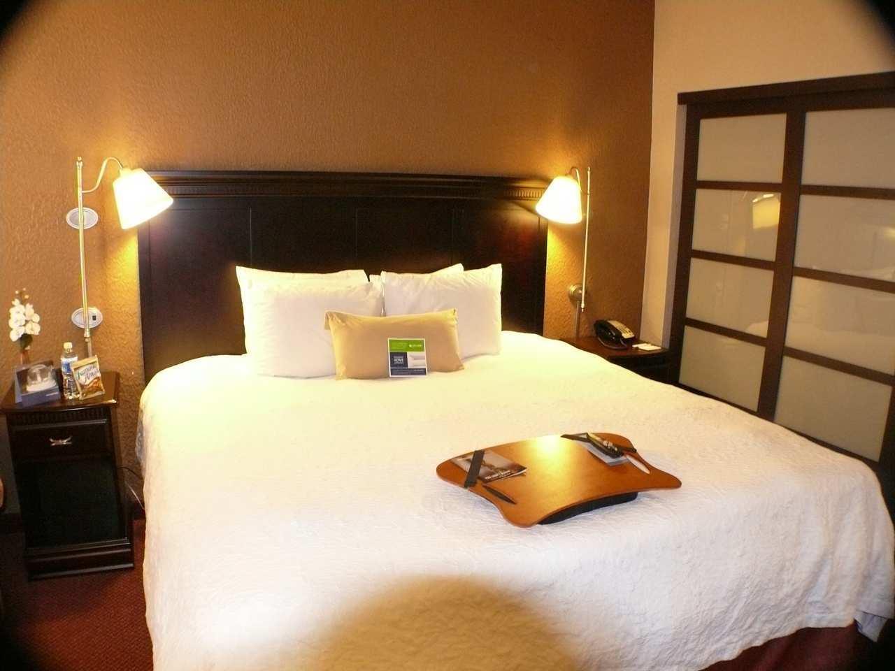 Hampton Inn & Suites Chicago/Hoffman Estates image 11