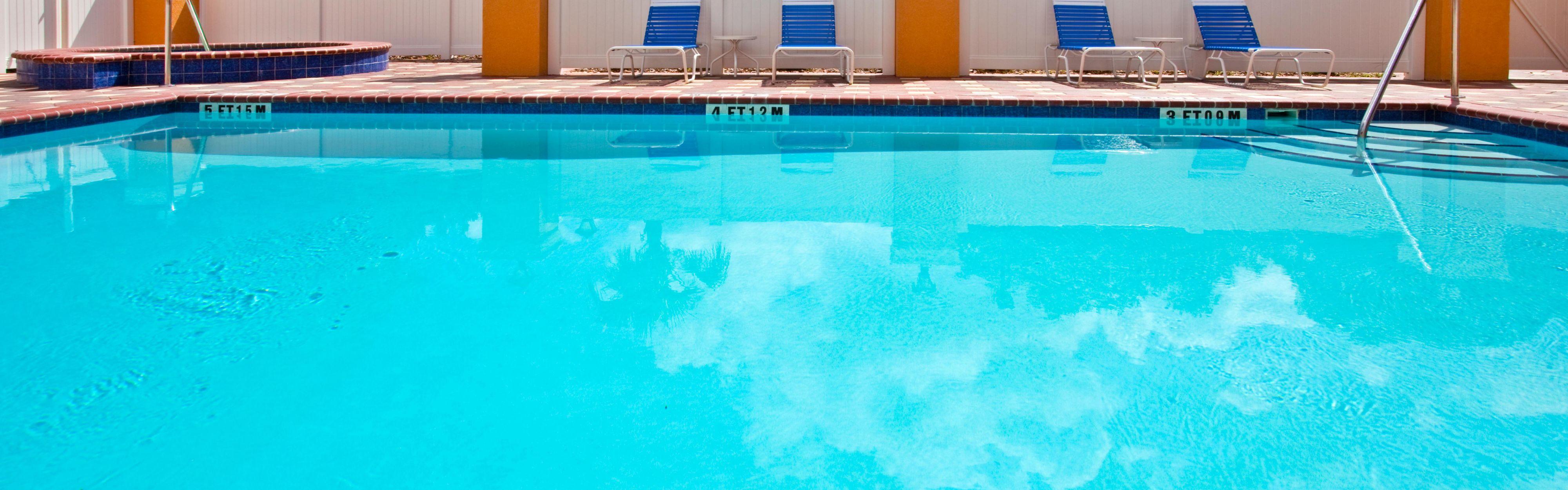 Holiday Inn Express Brooksville-I-75 image 2