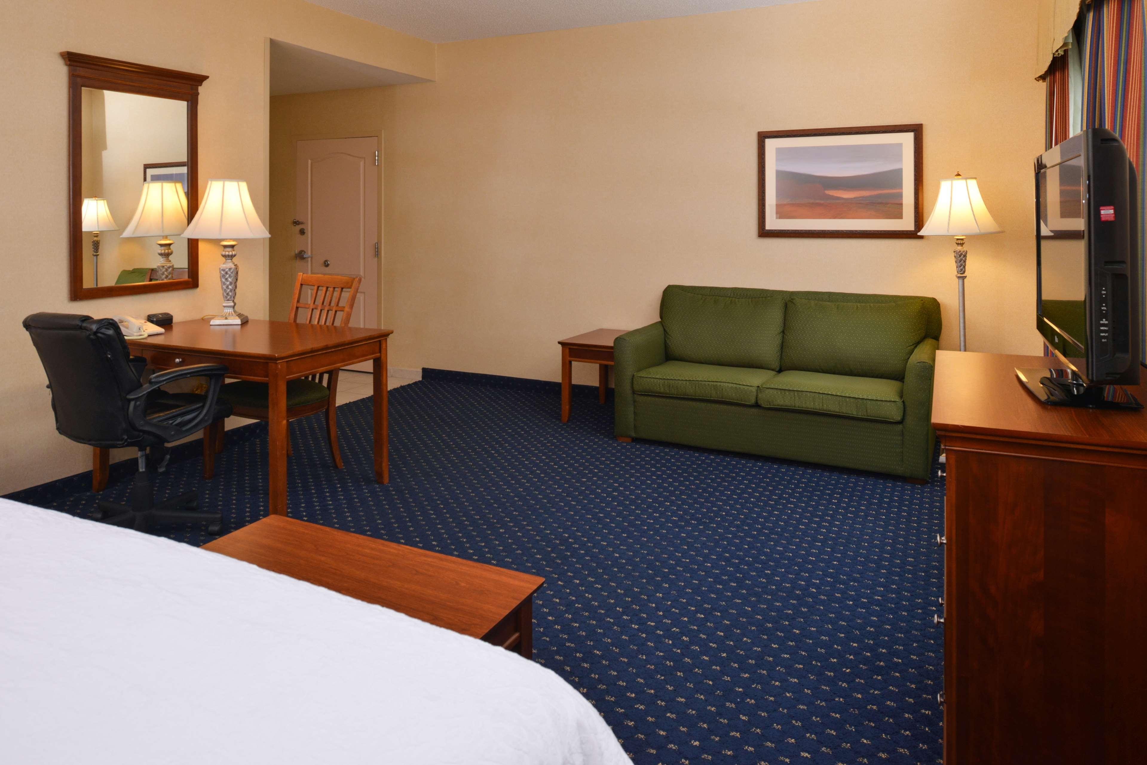 Hampton Inn & Suites Fredericksburg South image 26