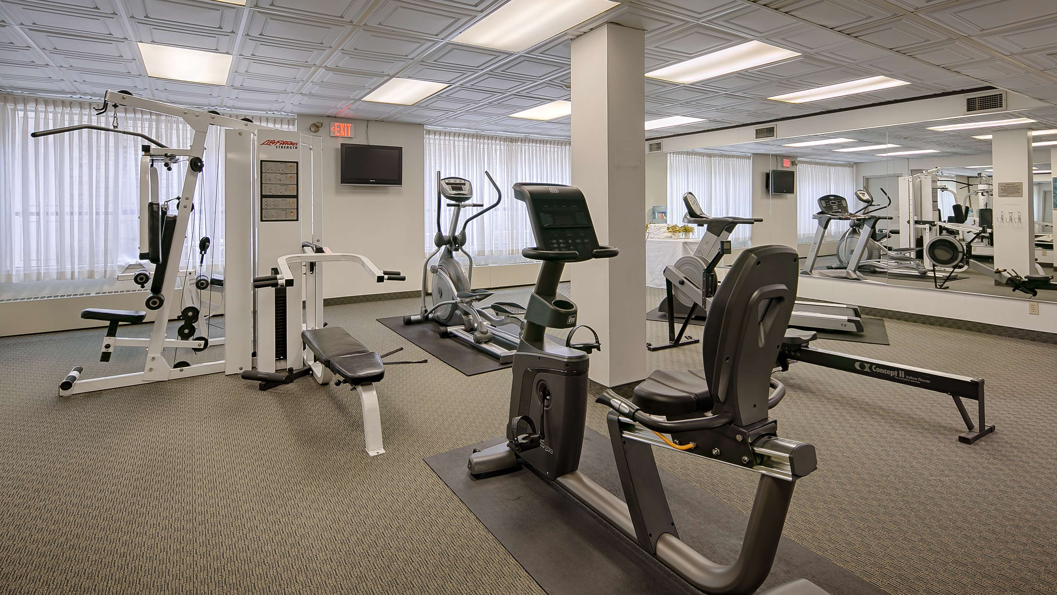Best Western Plus Carlton Plaza Hotel in Victoria: Fitness Center
