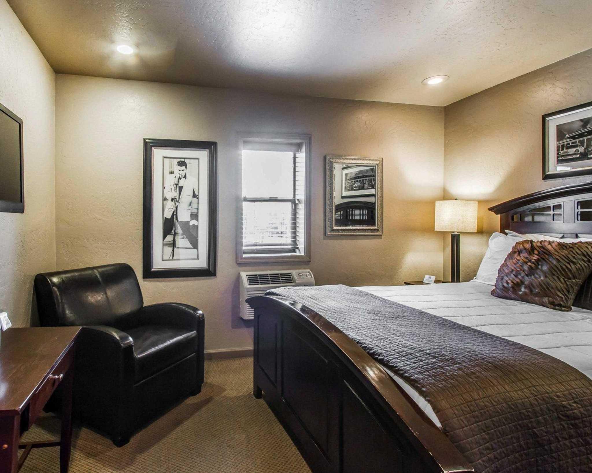 Rodeway Inn & Suites Downtowner-Rte 66 image 5