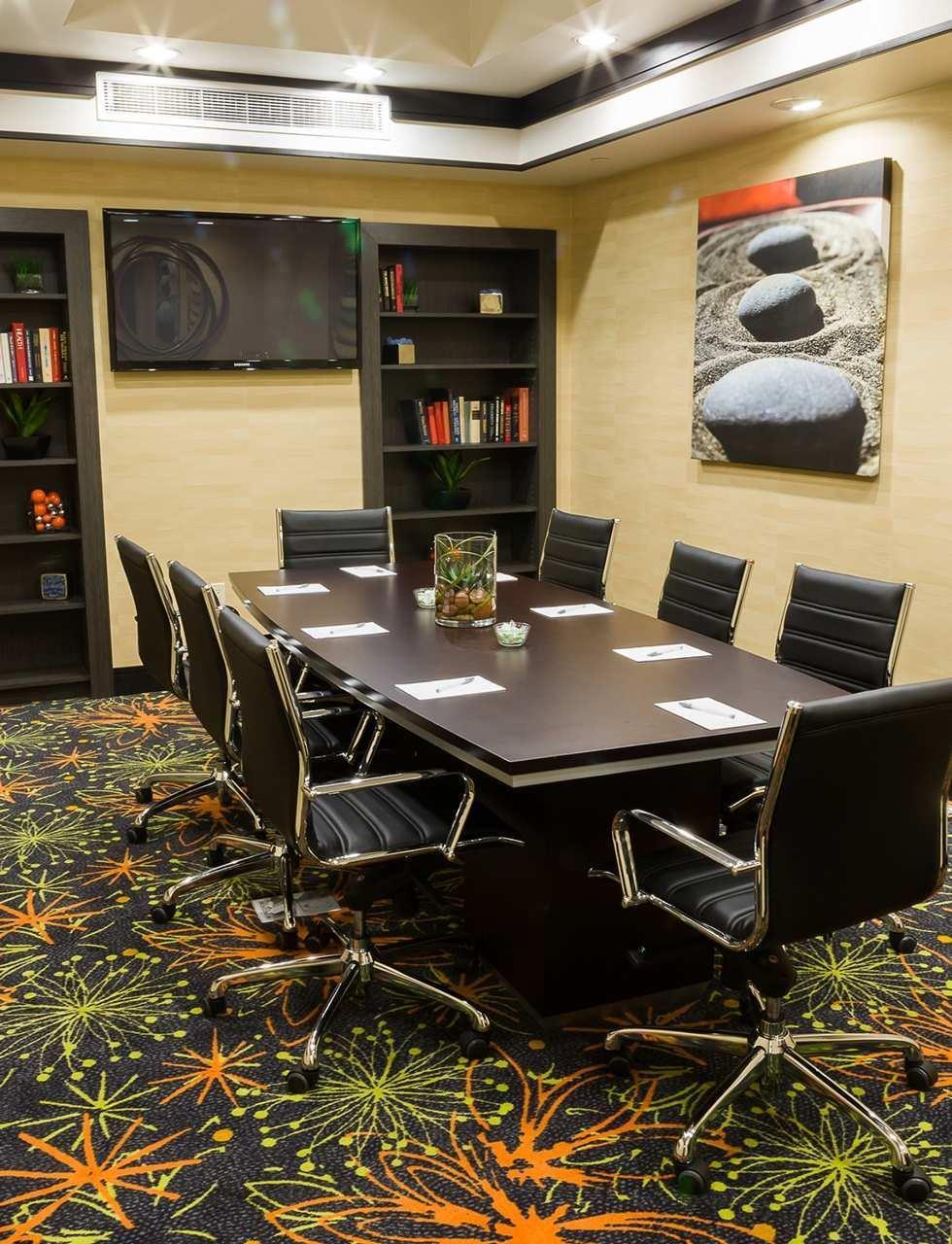 Hampton Inn & Suites Tulsa/Central image 19
