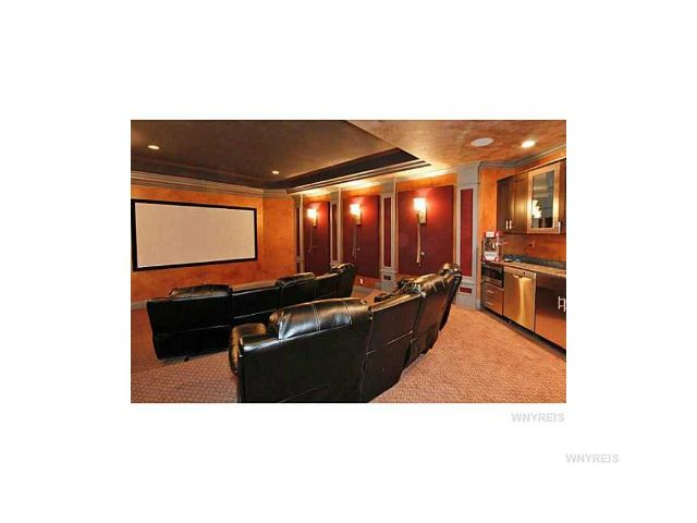 Donna Littlefield Real Estate image 4