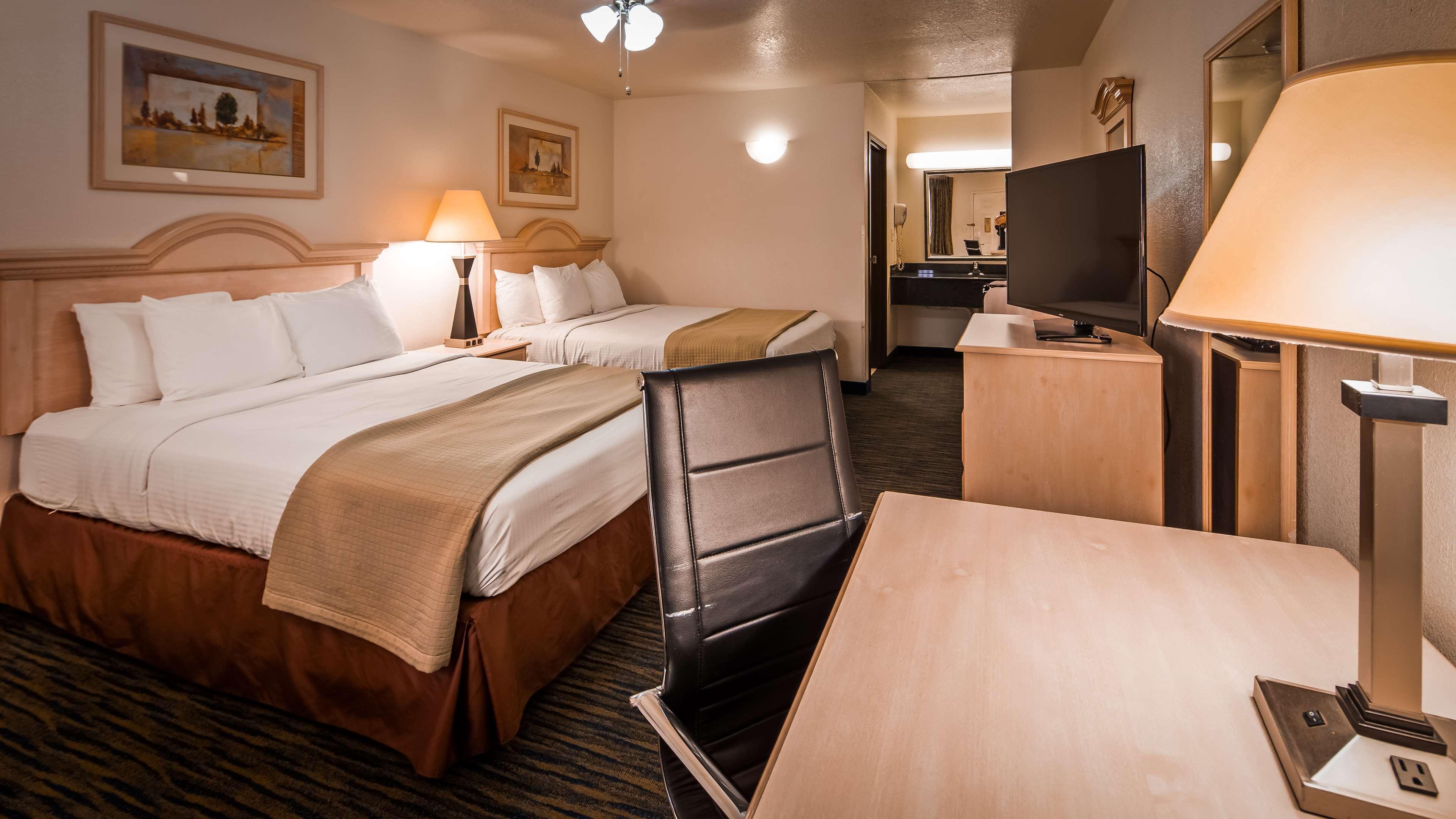 SureStay Hotel by Best Western Falfurrias image 38