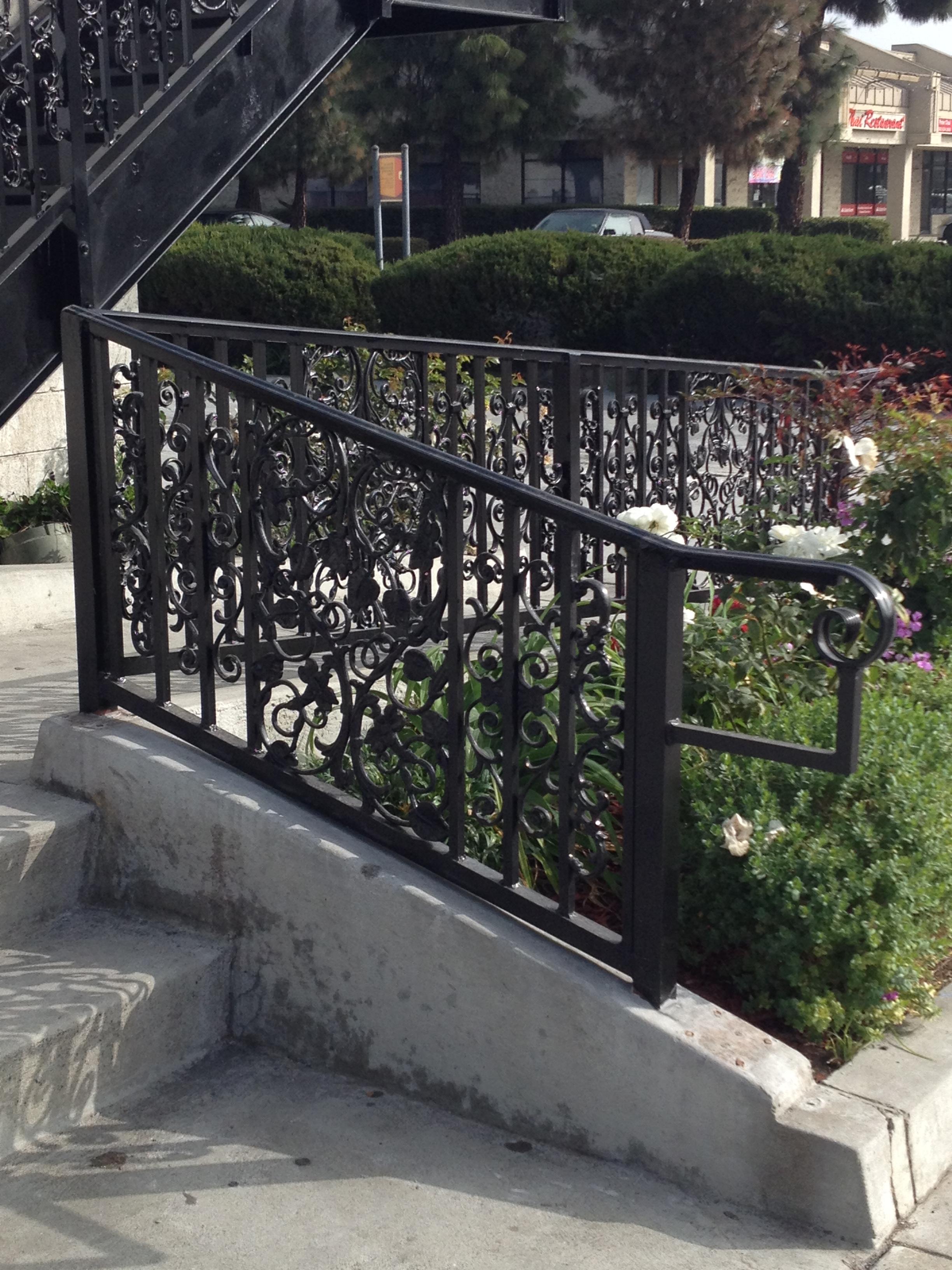 Fence Factory Goleta image 2