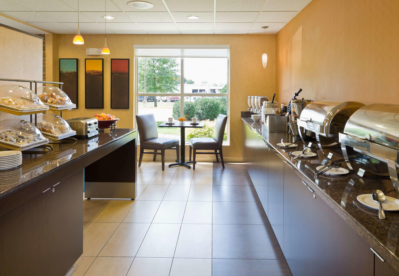 Residence Inn by Marriott Cedar Rapids image 13