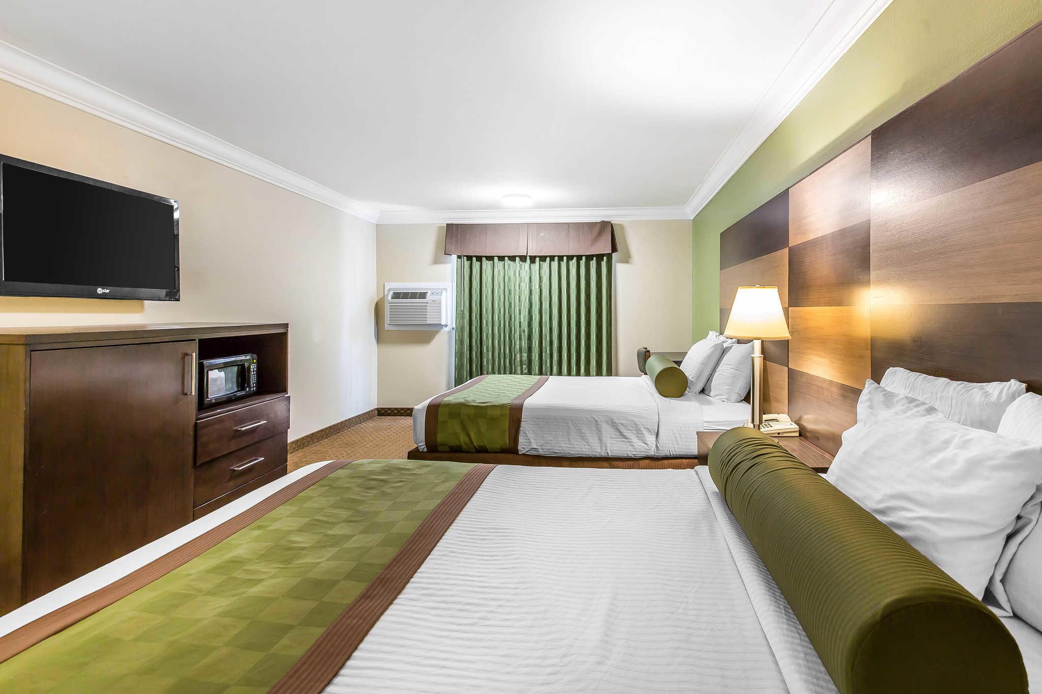 Rodeway Inn & Suites image 13