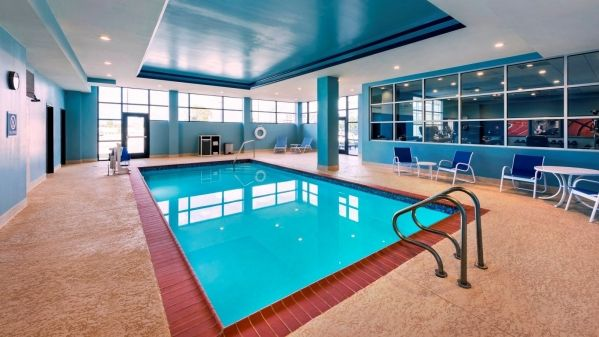 Four Points by Sheraton Houston Intercontinental Airport image 6