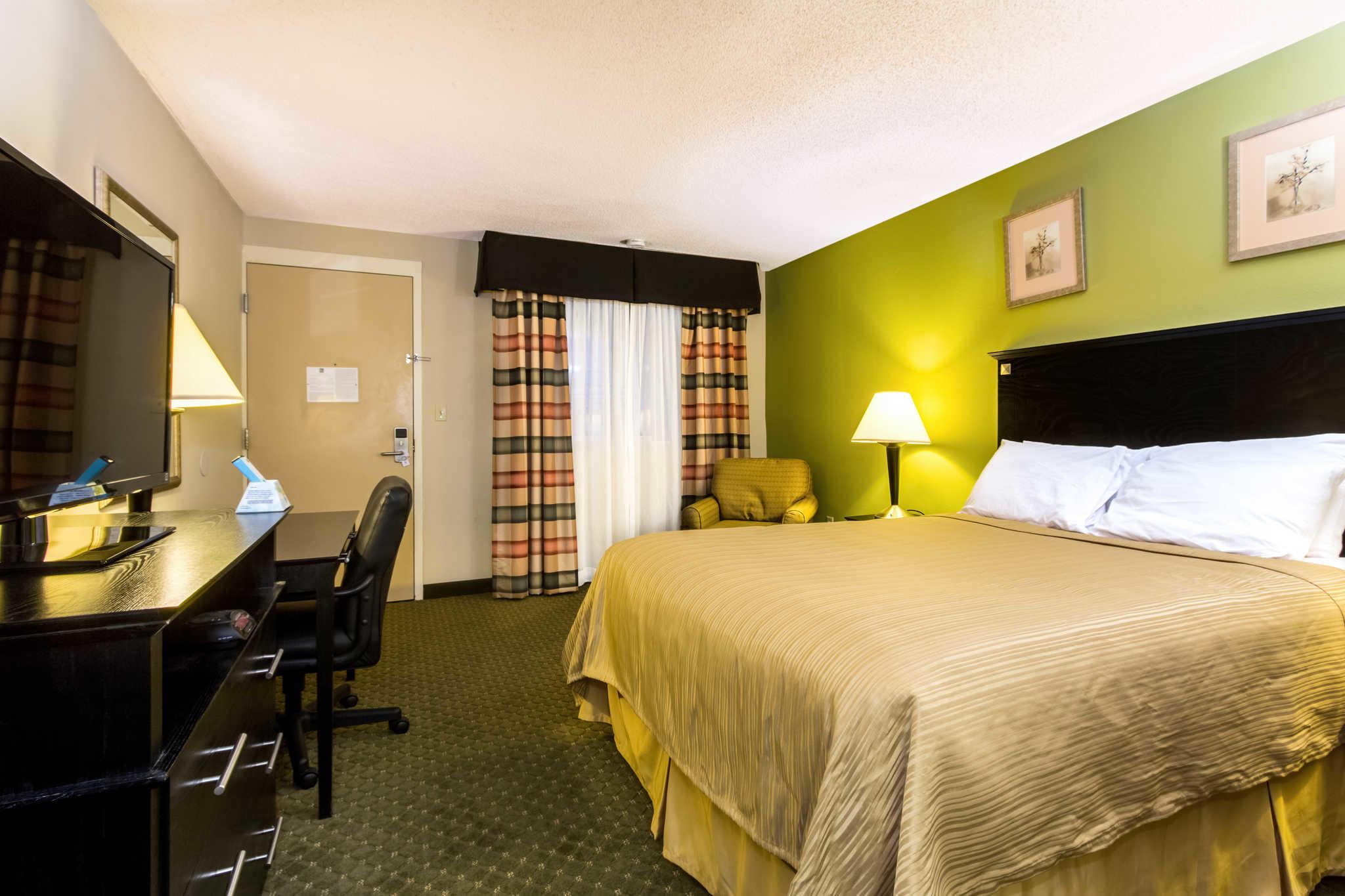 Quality Inn & Suites Moline - Quad Cities image 10