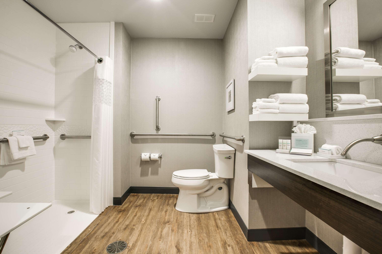 Hampton Inn & Suites Dallas/Ft. Worth Airport South image 31