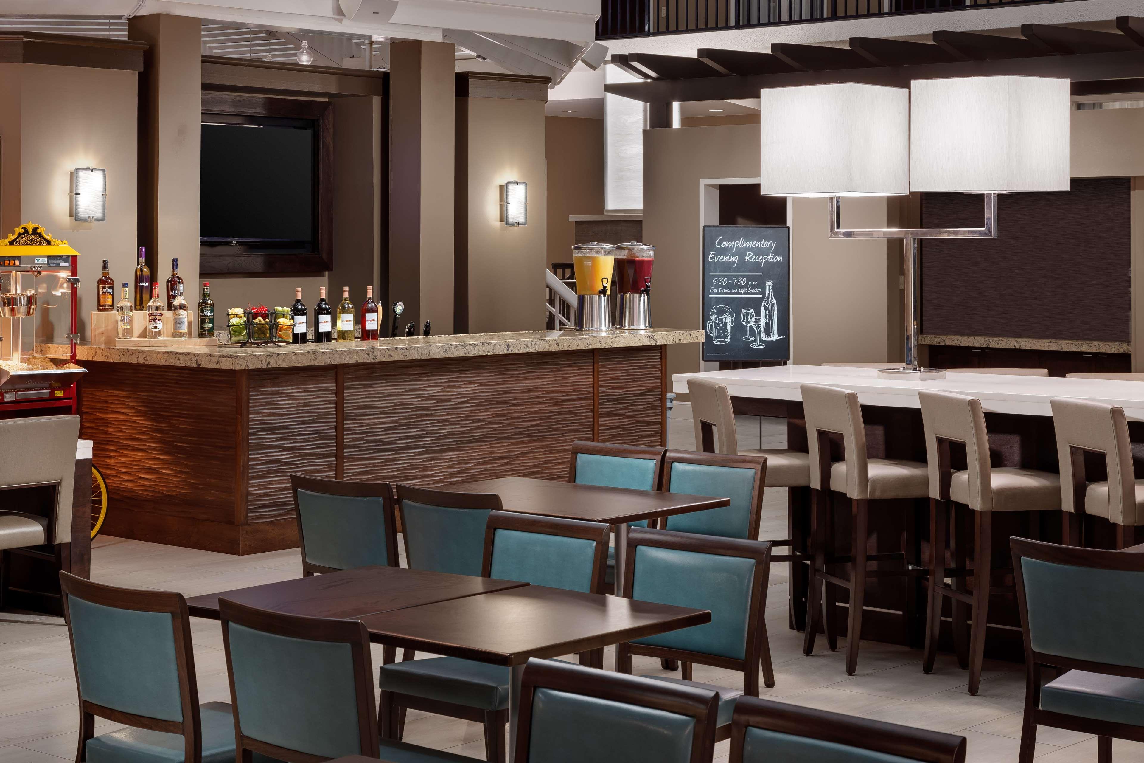 Embassy Suites by Hilton Orlando Lake Buena Vista Resort image 27
