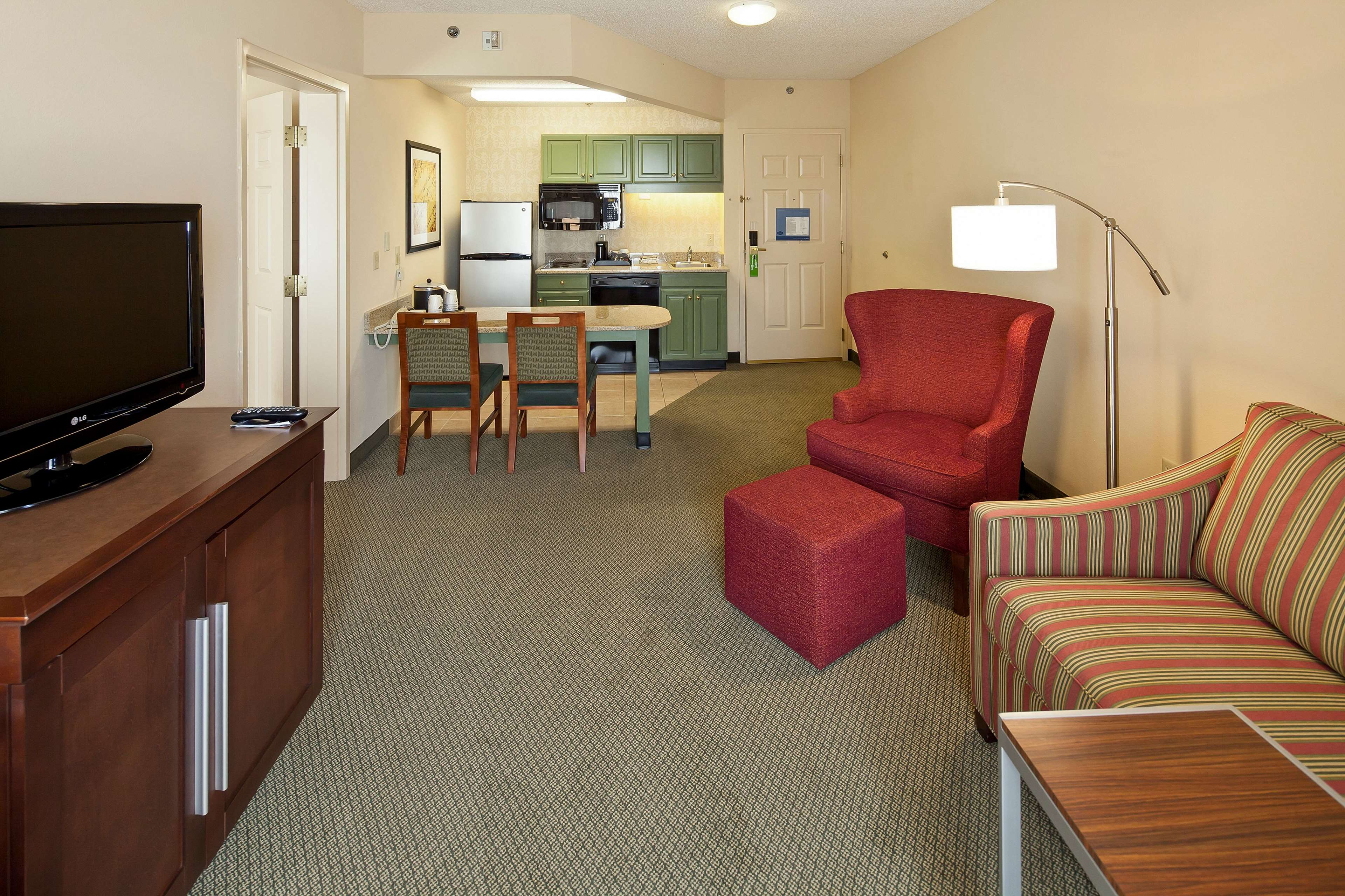 Hampton Inn & Suites Nashville-Green Hills image 23