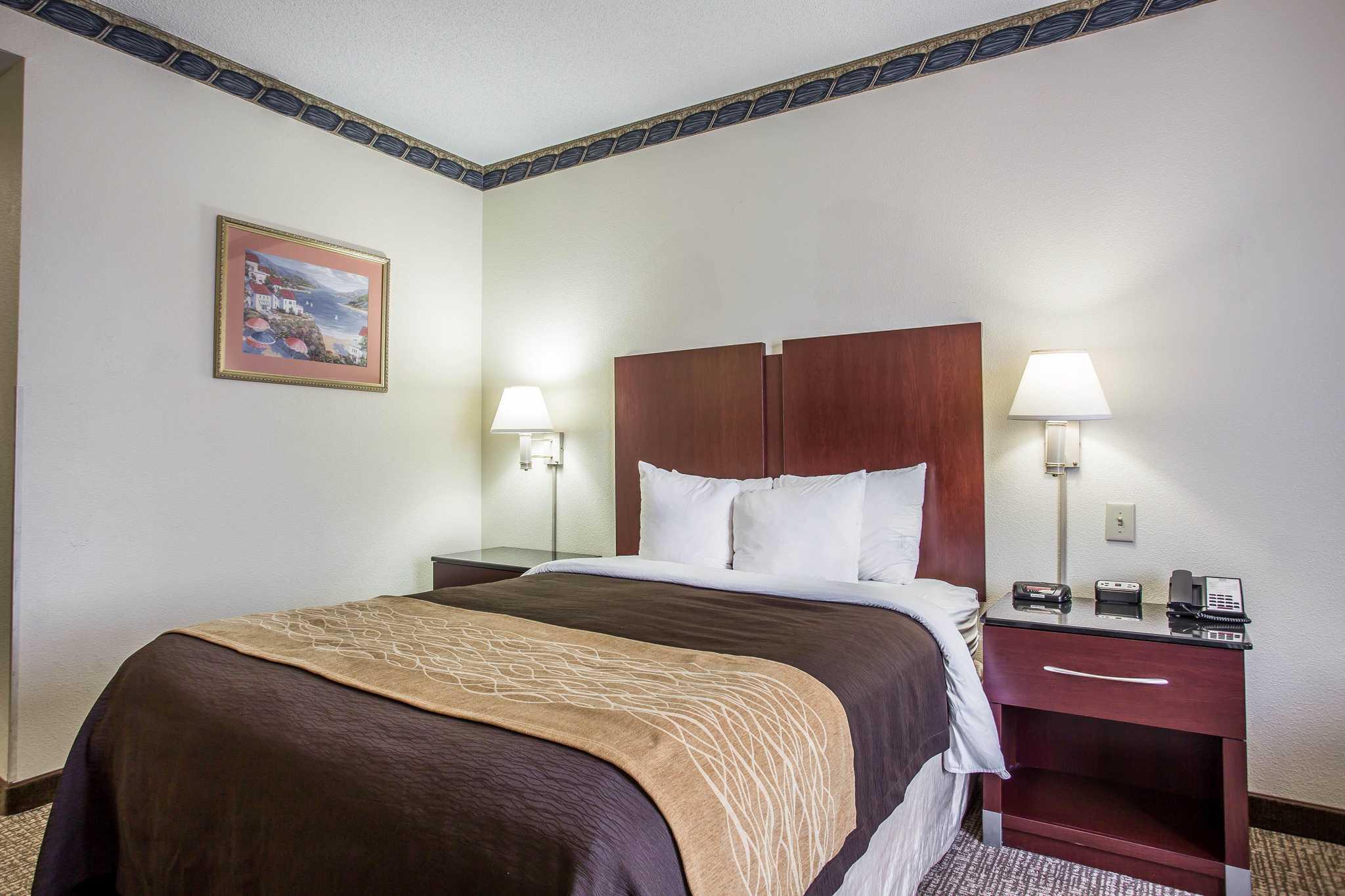 Comfort Inn & Suites Ft.Jackson Maingate image 5