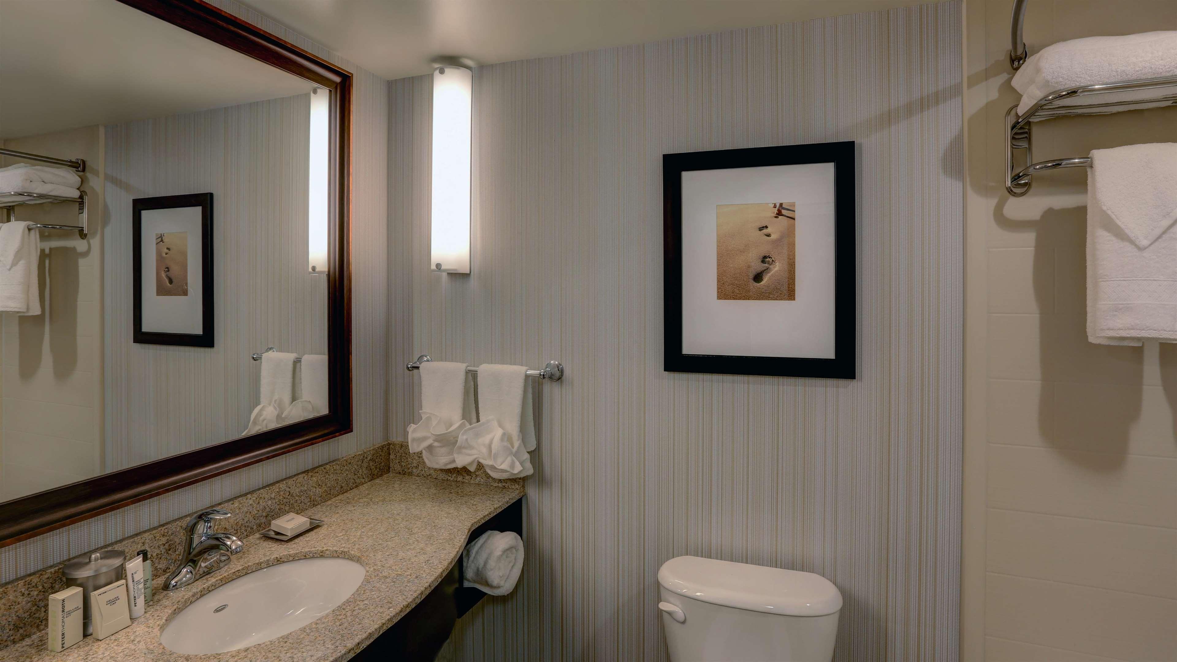 Hilton Garden Inn Virginia Beach Oceanfront image 29