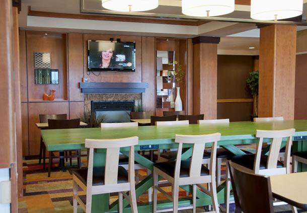 Fairfield Inn & Suites by Marriott Ames image 9