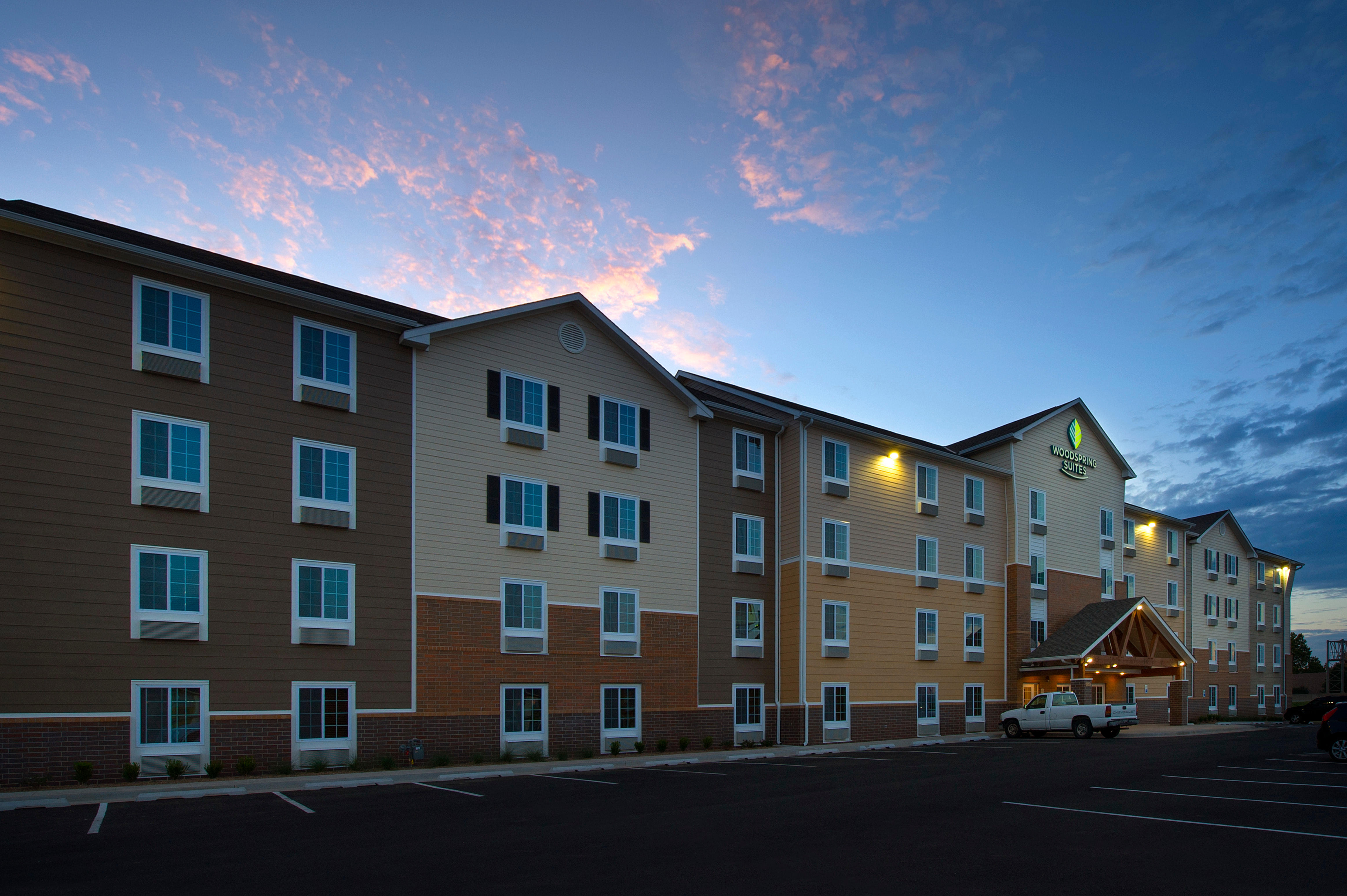 WoodSpring Suites Oklahoma City Airport image 2