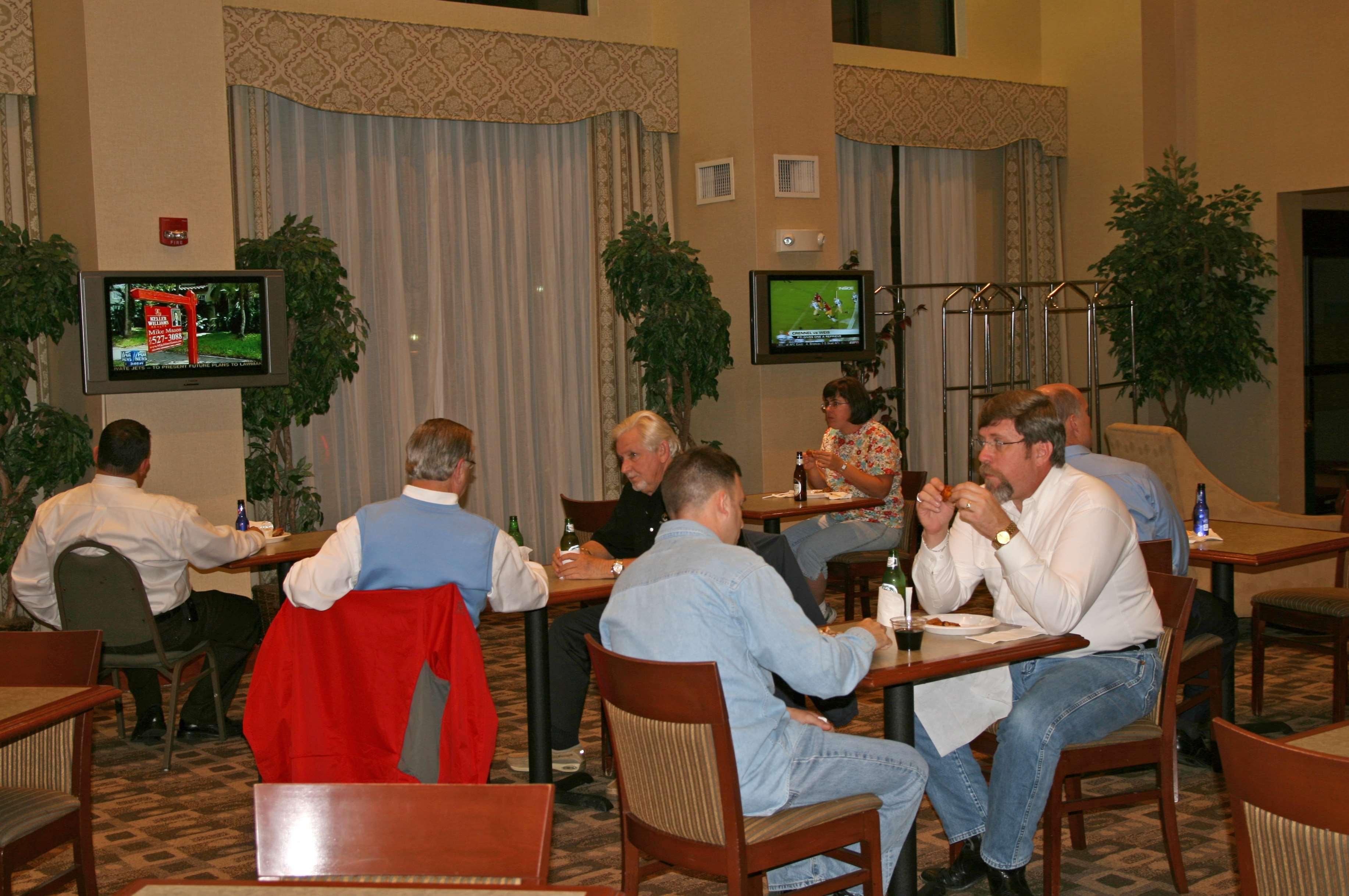 Hampton Inn & Suites Augusta West image 8