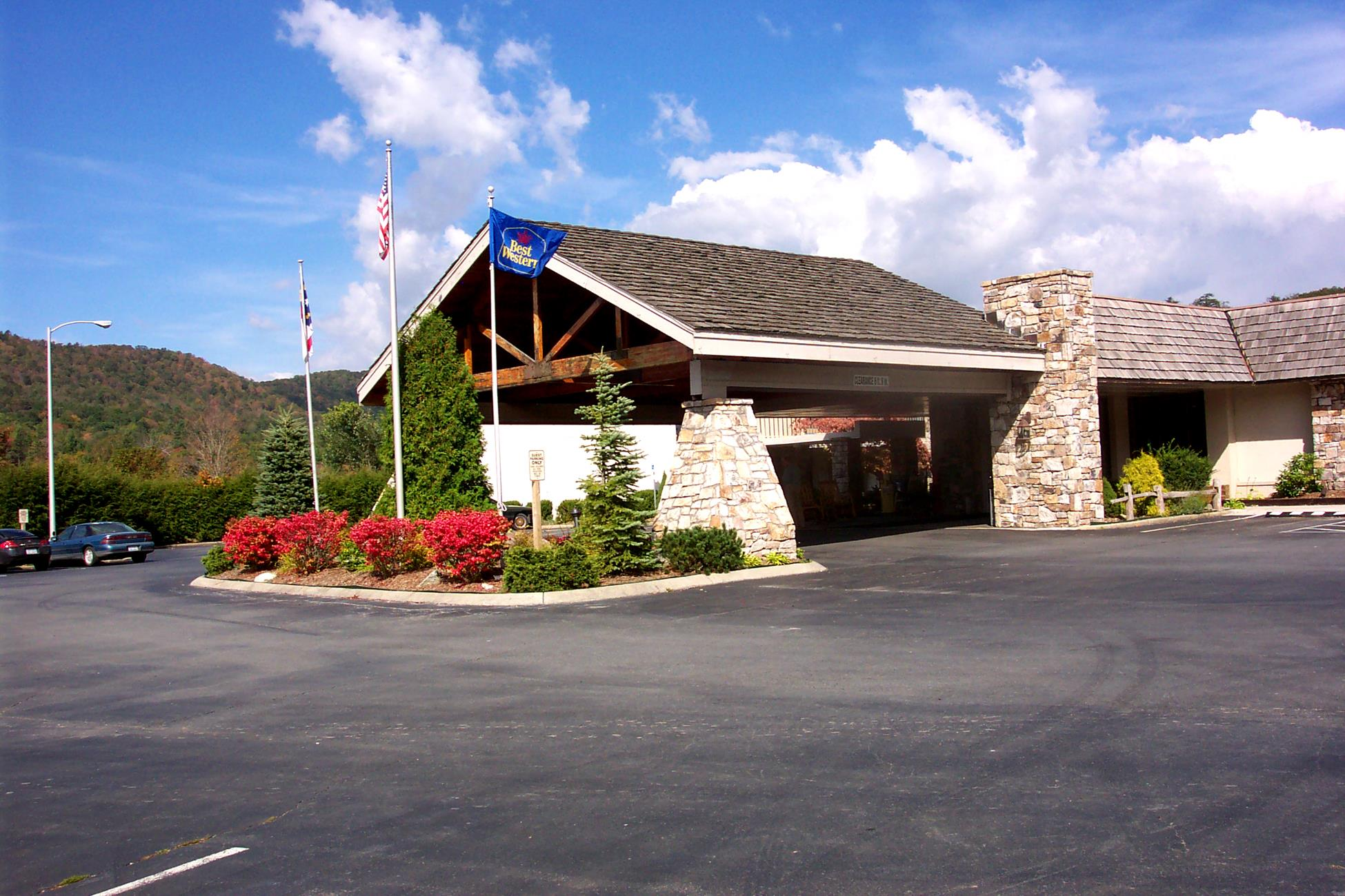 banner elk Holston is a christian summer camp and retreat center that encourages individuals to grow in their faith in a cool mountain environment that reflects god's presence.