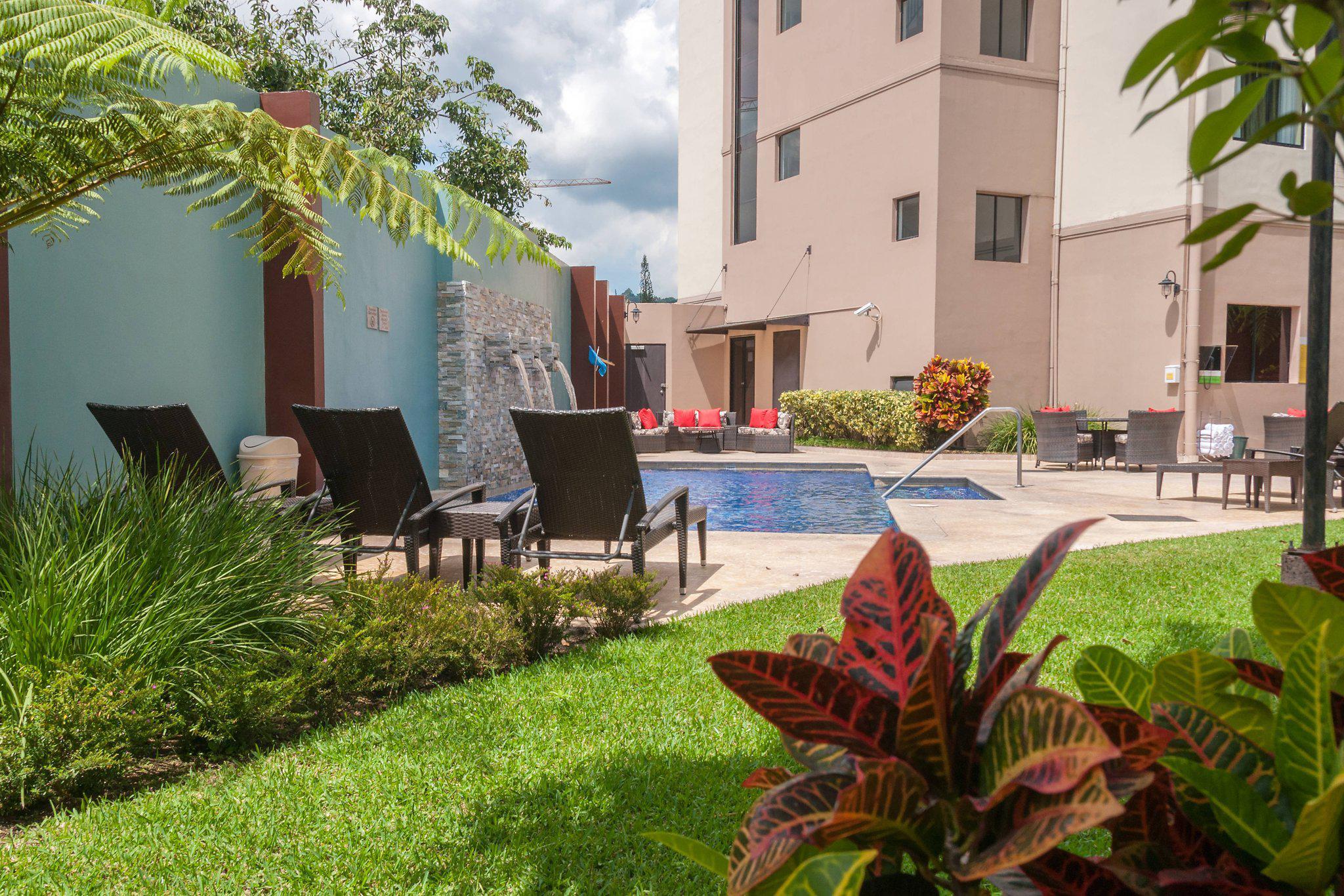 Courtyard by Marriott San Salvador