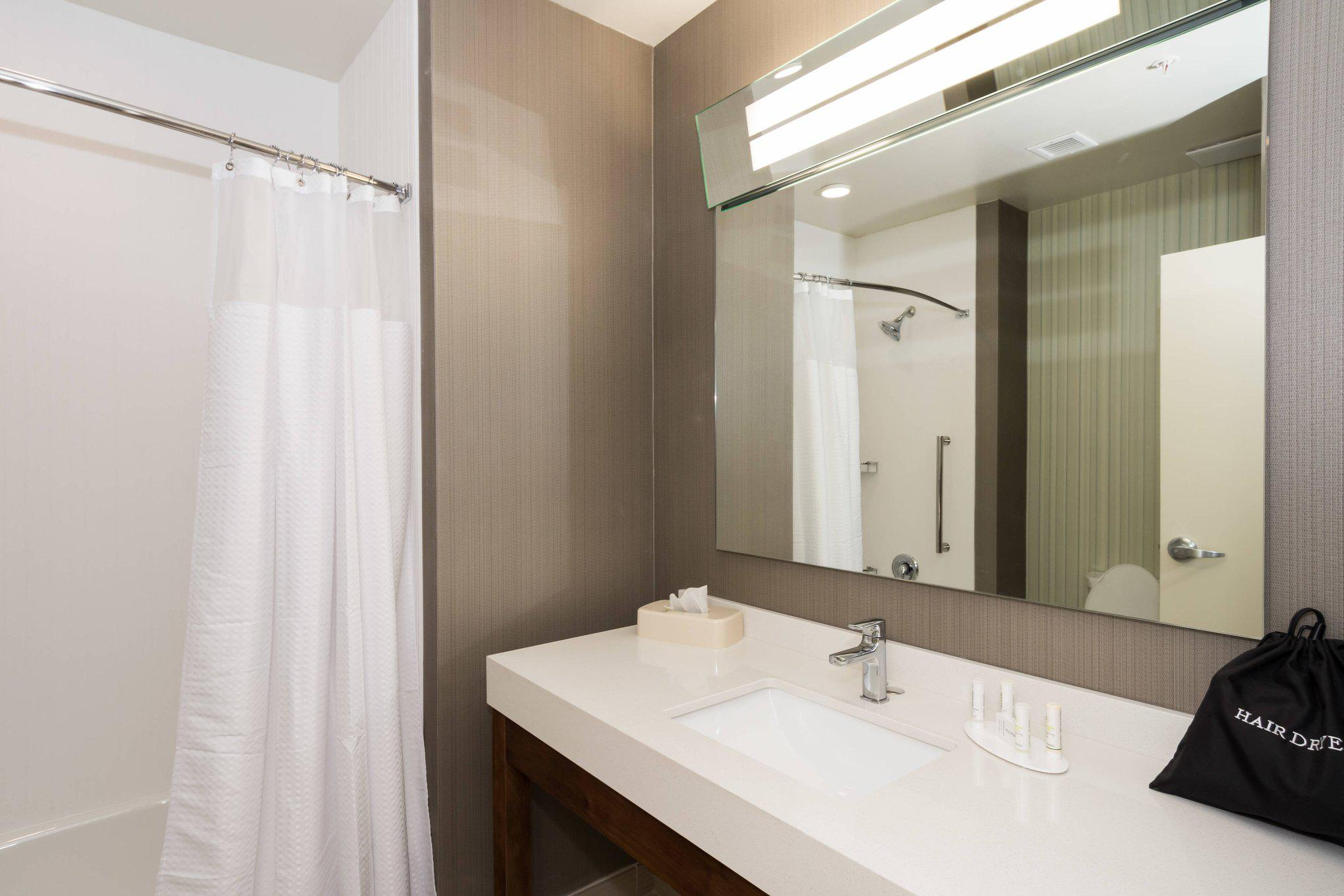 Courtyard by Marriott Fayetteville Fort Bragg/Spring Lake