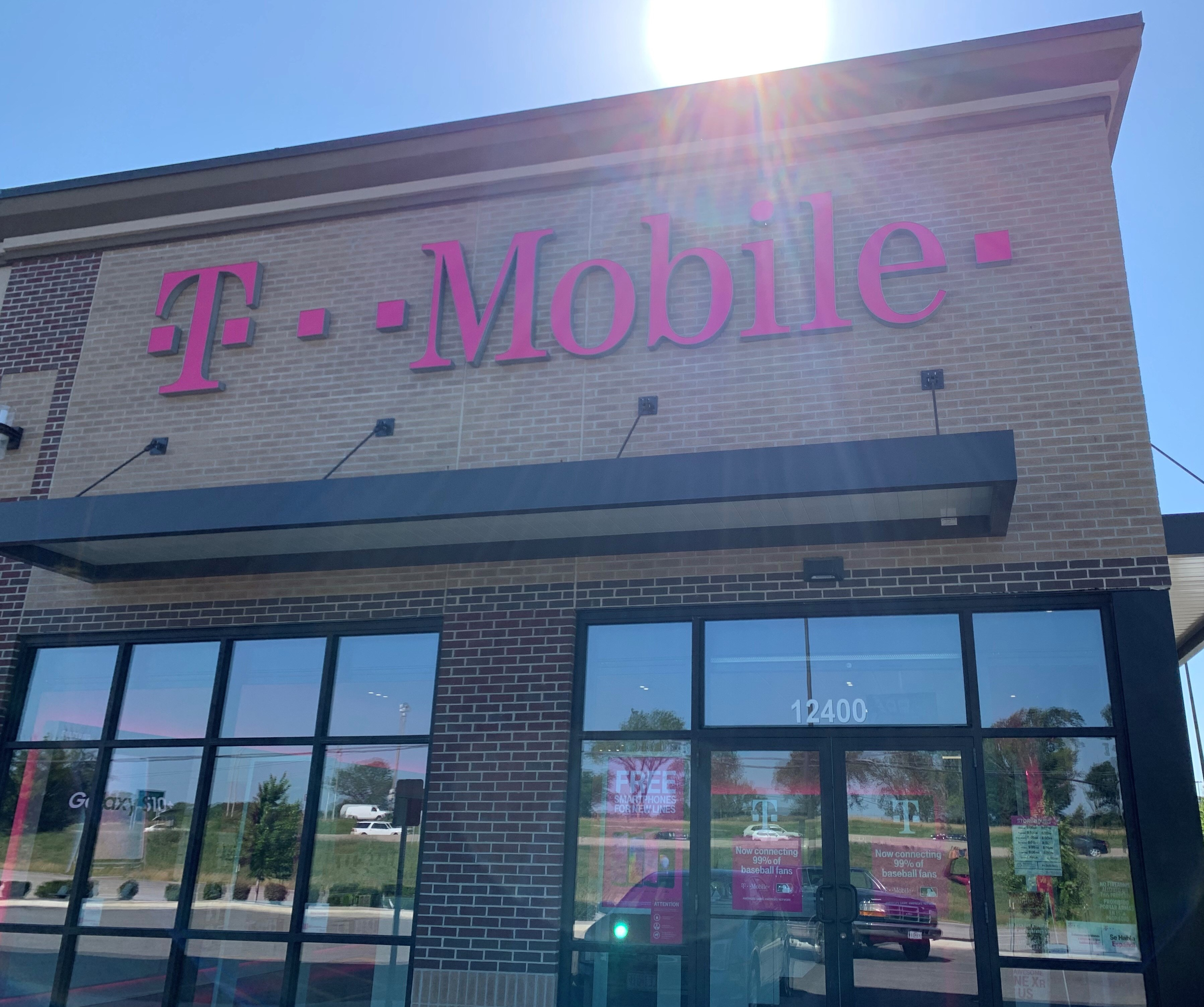 Cell Phones, Plans, and Accessories at T-Mobile 12400 S U.S. ... on highway 70 missouri map, highway 67 missouri map, highway 44 missouri map, highway 79 missouri map, highway 60 missouri map, highway 19 missouri map, ohio indiana kentucky interstate map,