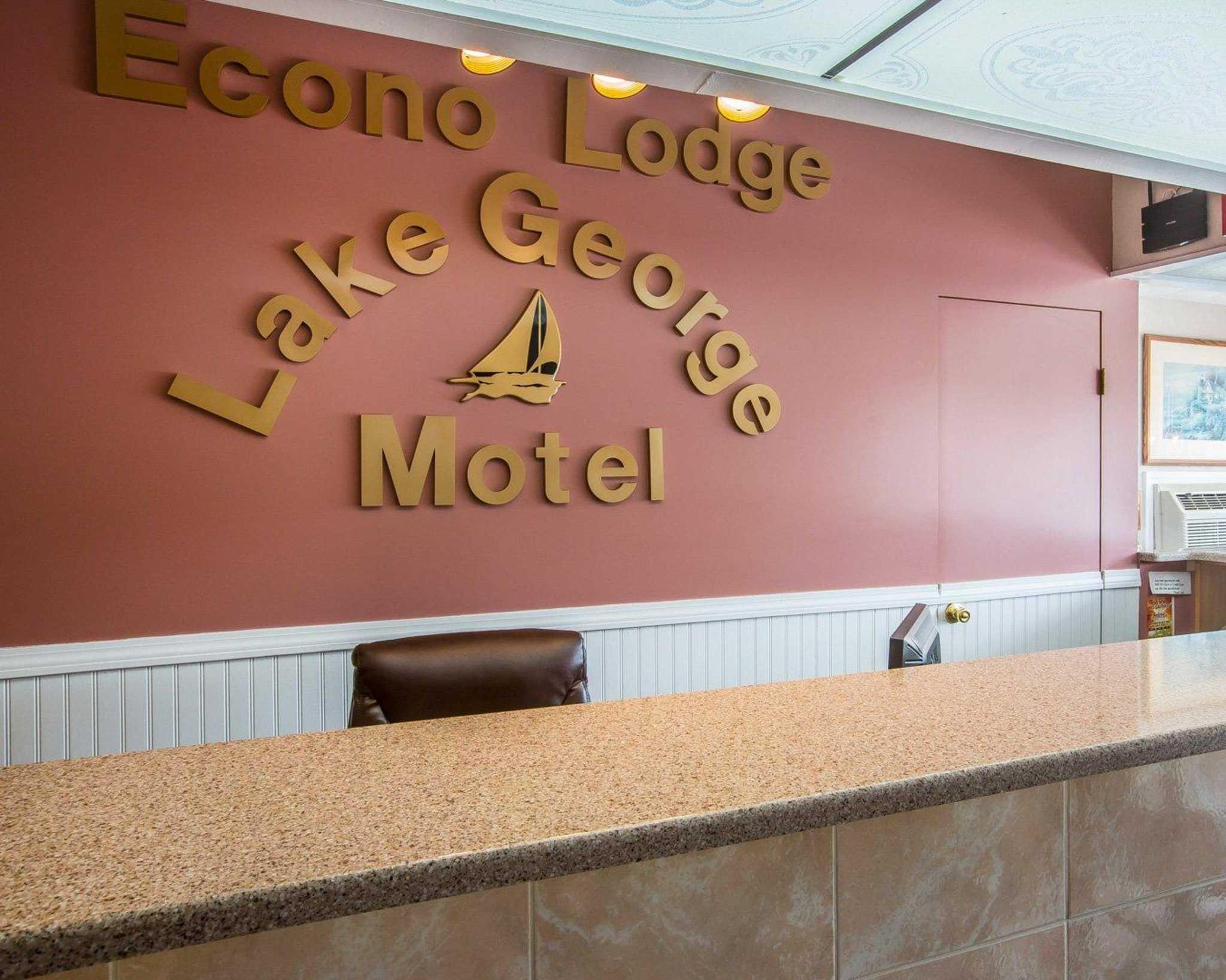 Econo Lodge at Lake George, Downtown image 20