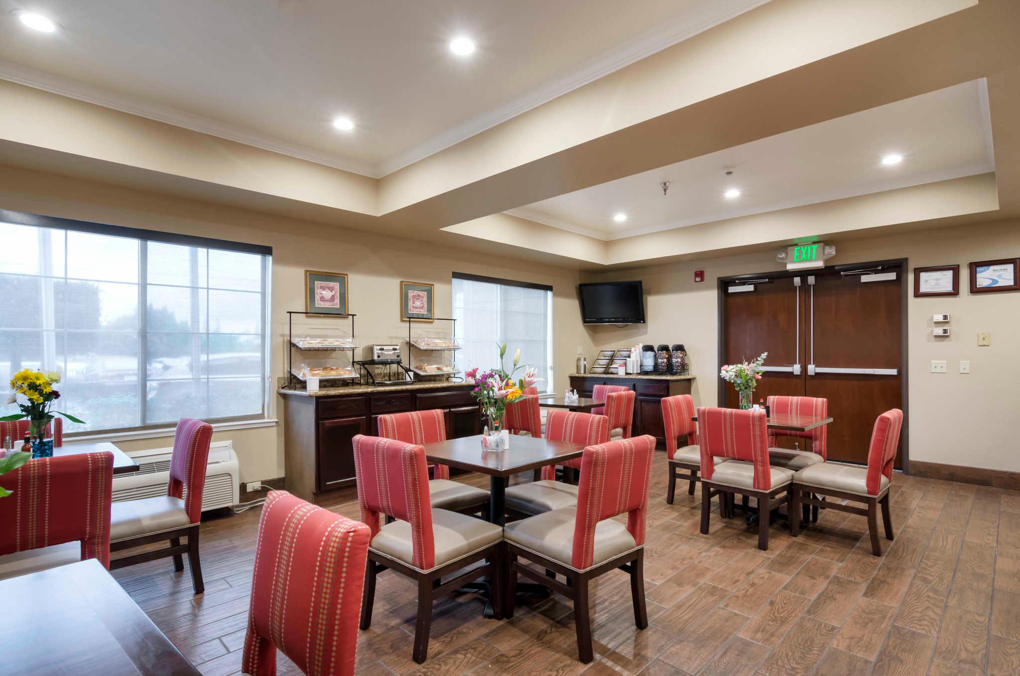 Comfort Inn & Suites Sacramento - University Area image 25