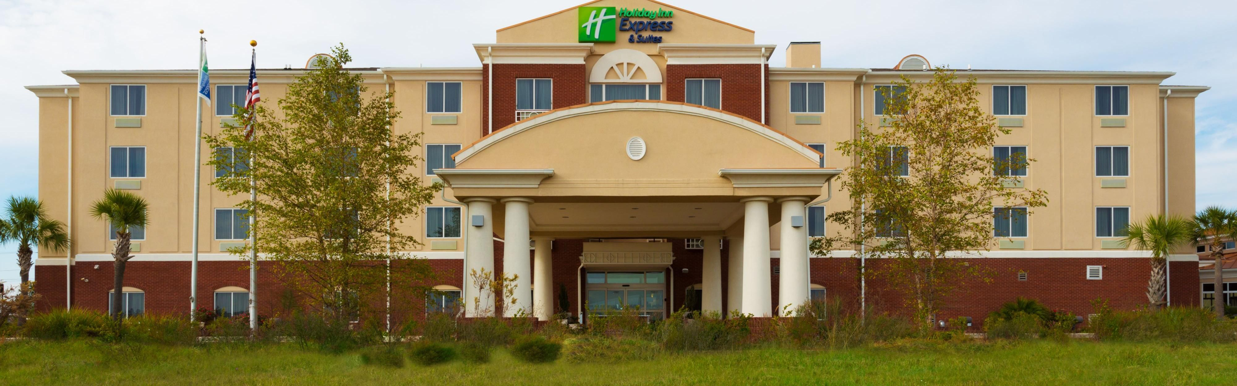 Holiday Inn Express & Suites Moultrie image 0