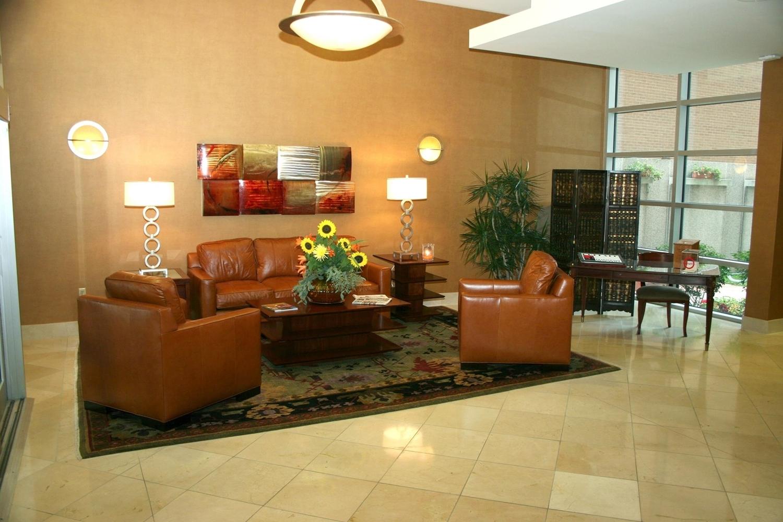 DoubleTree Club by Hilton Hotel Buffalo Downtown image 2