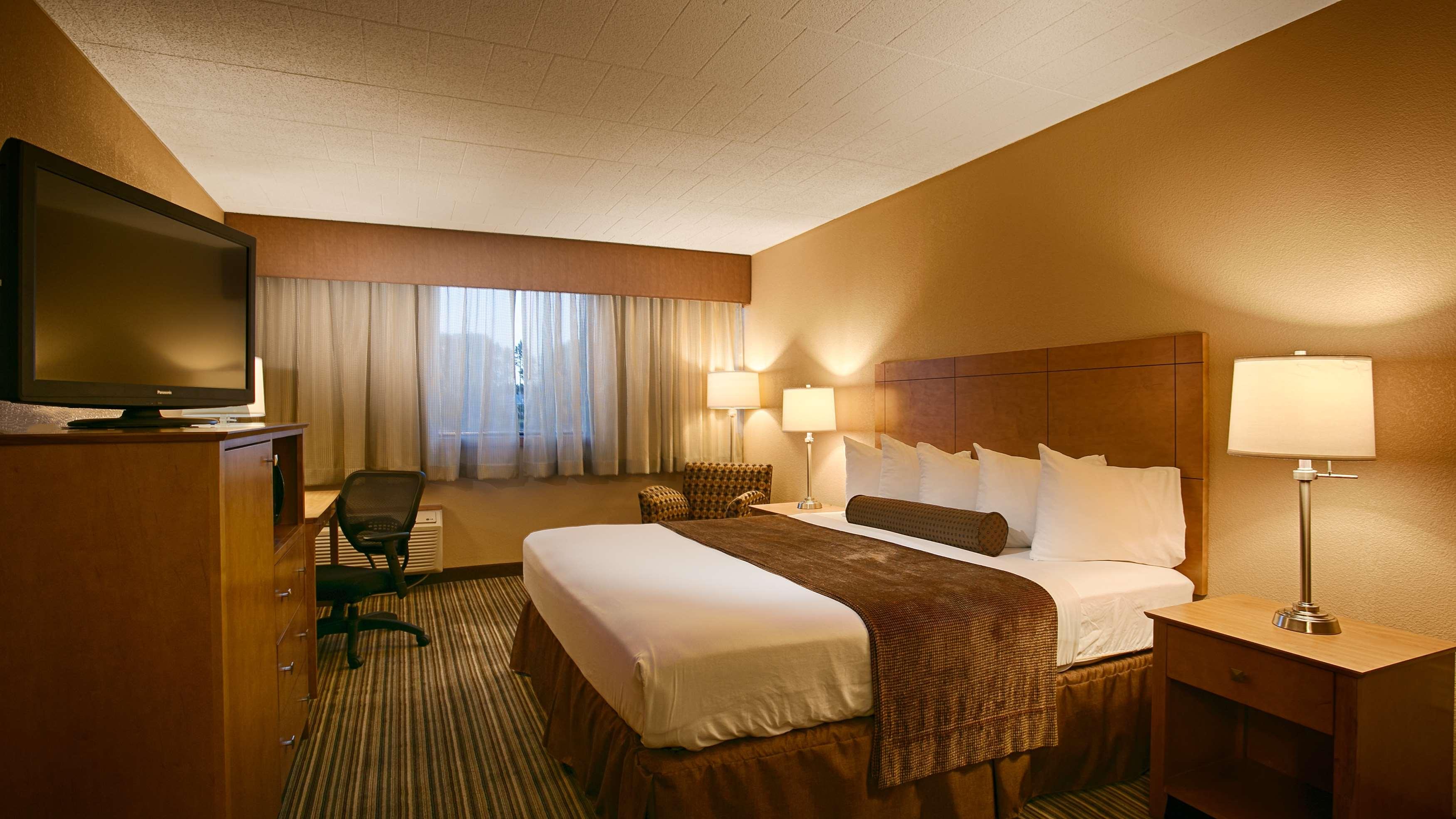 Best Western Plus Reading Inn & Suites image 14