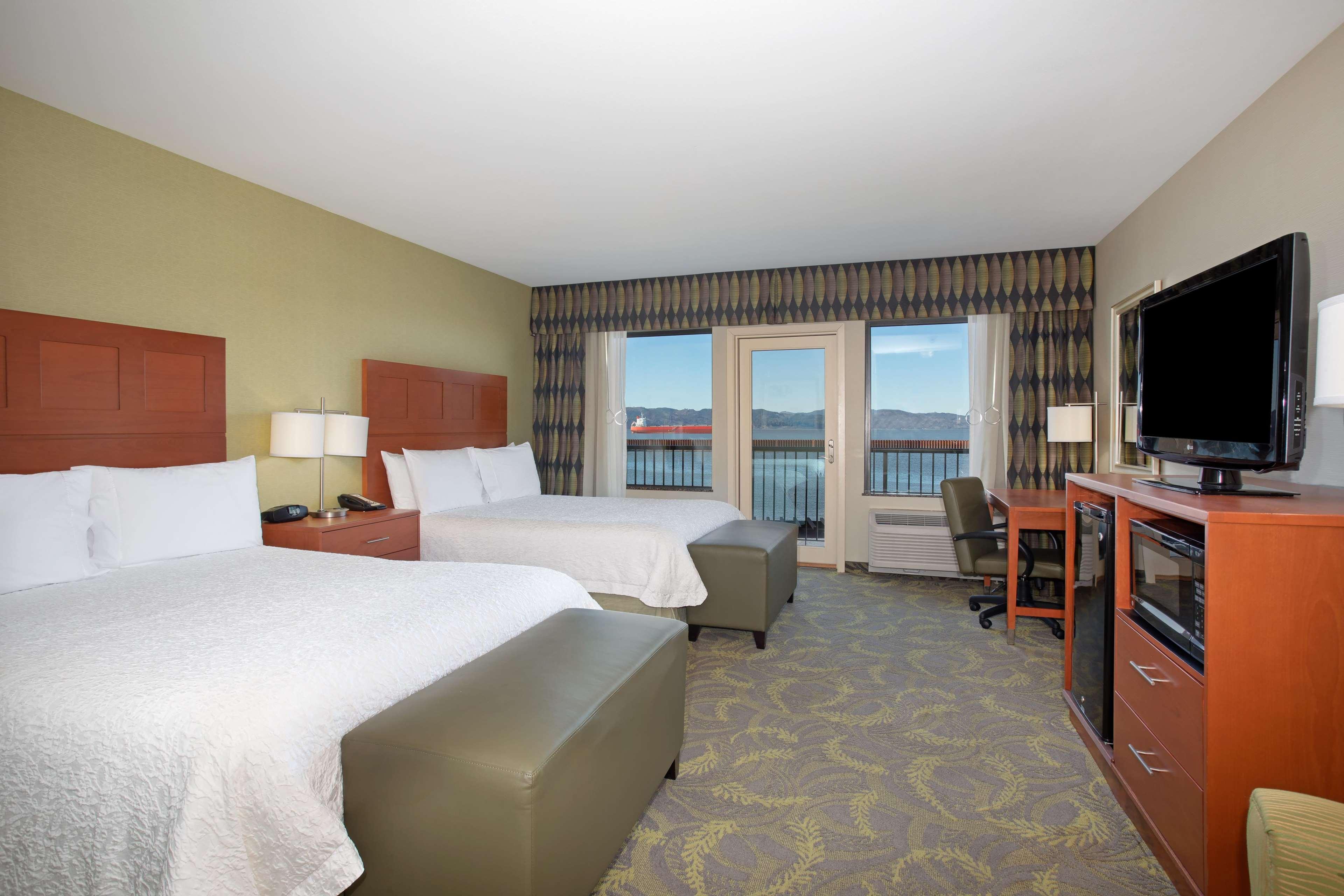 Hampton Inn & Suites Astoria image 71