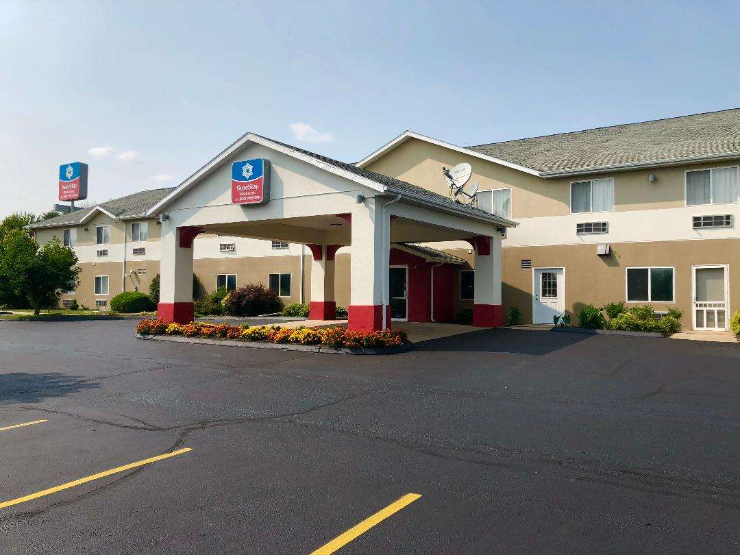 SureStay Plus Hotel by Best Western Bettendorf image 0