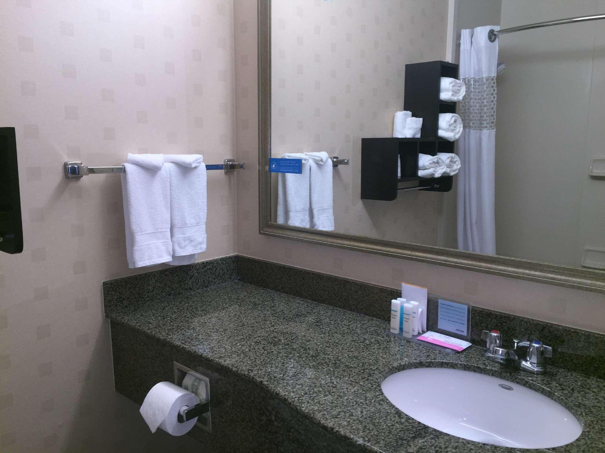 Hampton Inn & Suites Mountain View image 32
