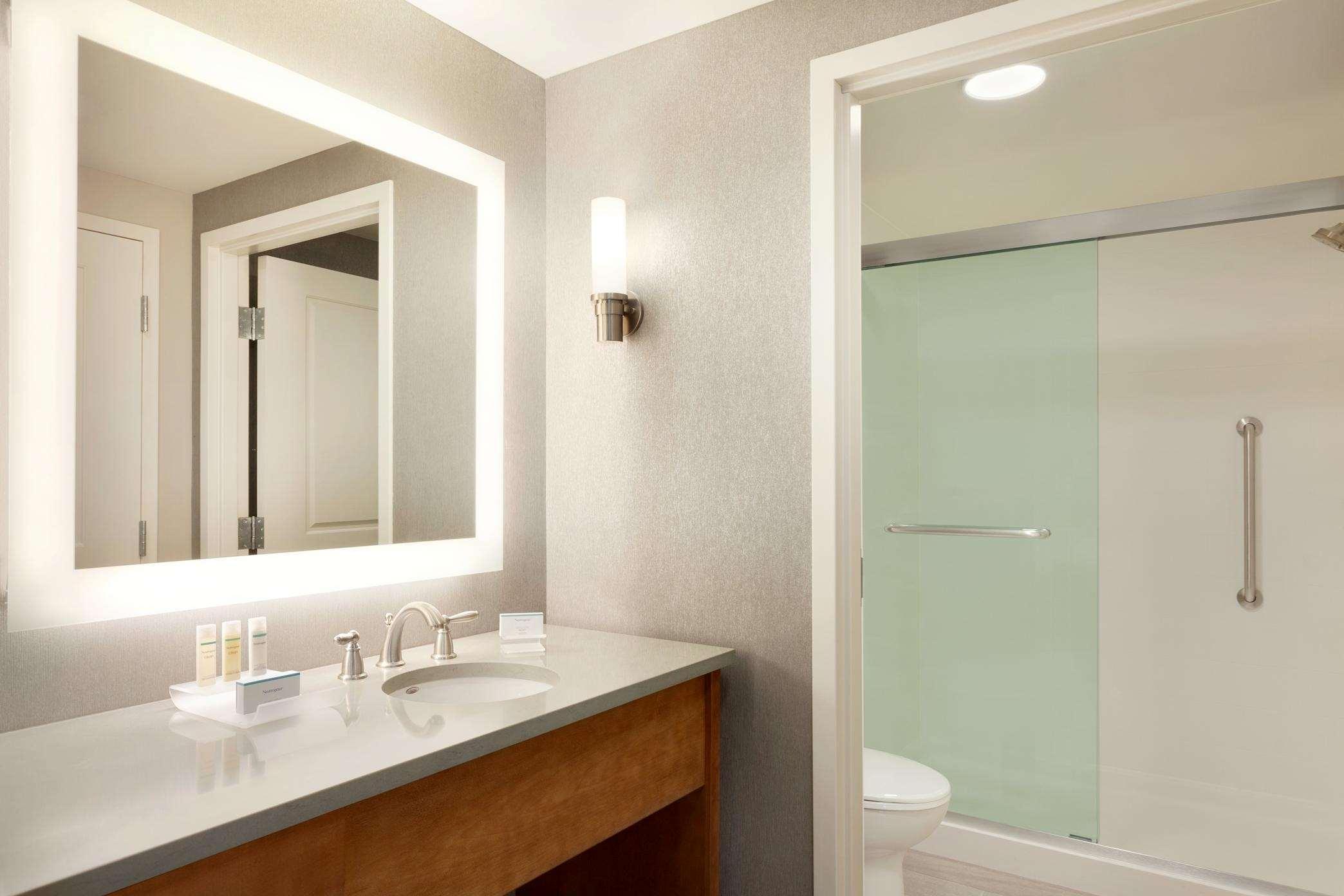 Homewood Suites by Hilton - Syracuse/Carrier Circle 6006 Fair Lakes ...