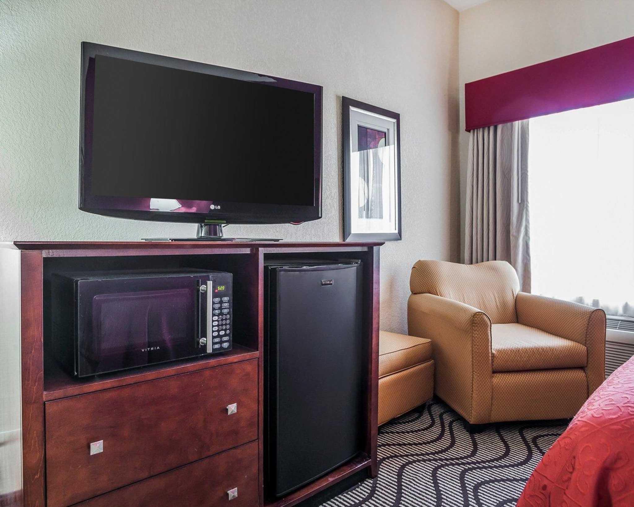 Quality Inn & Suites Altoona - Des Moines image 5