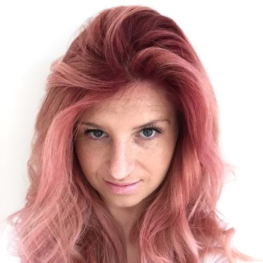 Xhenis Hair