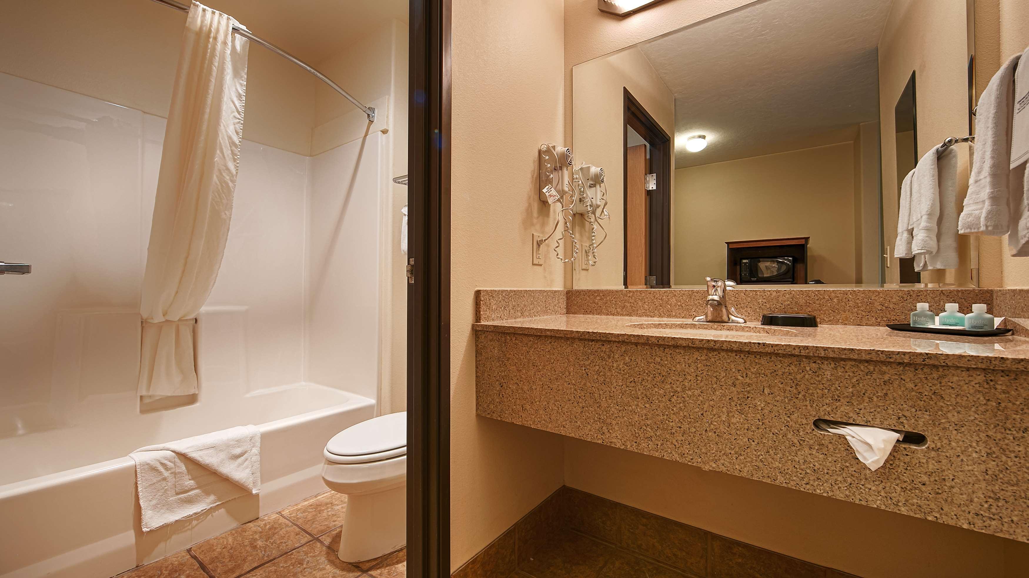 Best Western Plus Eagleridge Inn & Suites image 14