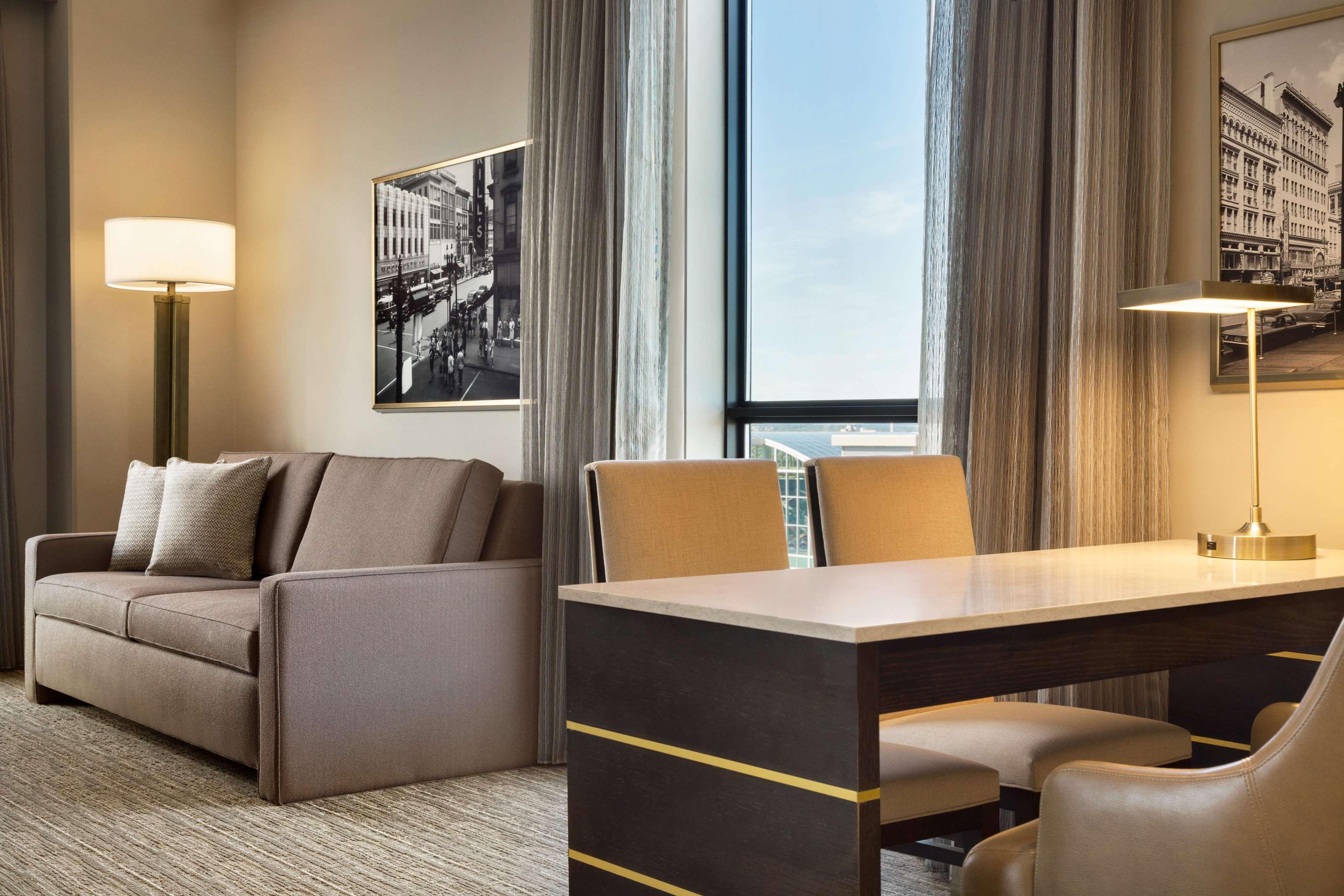 Embassy Suites by Hilton Syracuse Destiny USA image 15