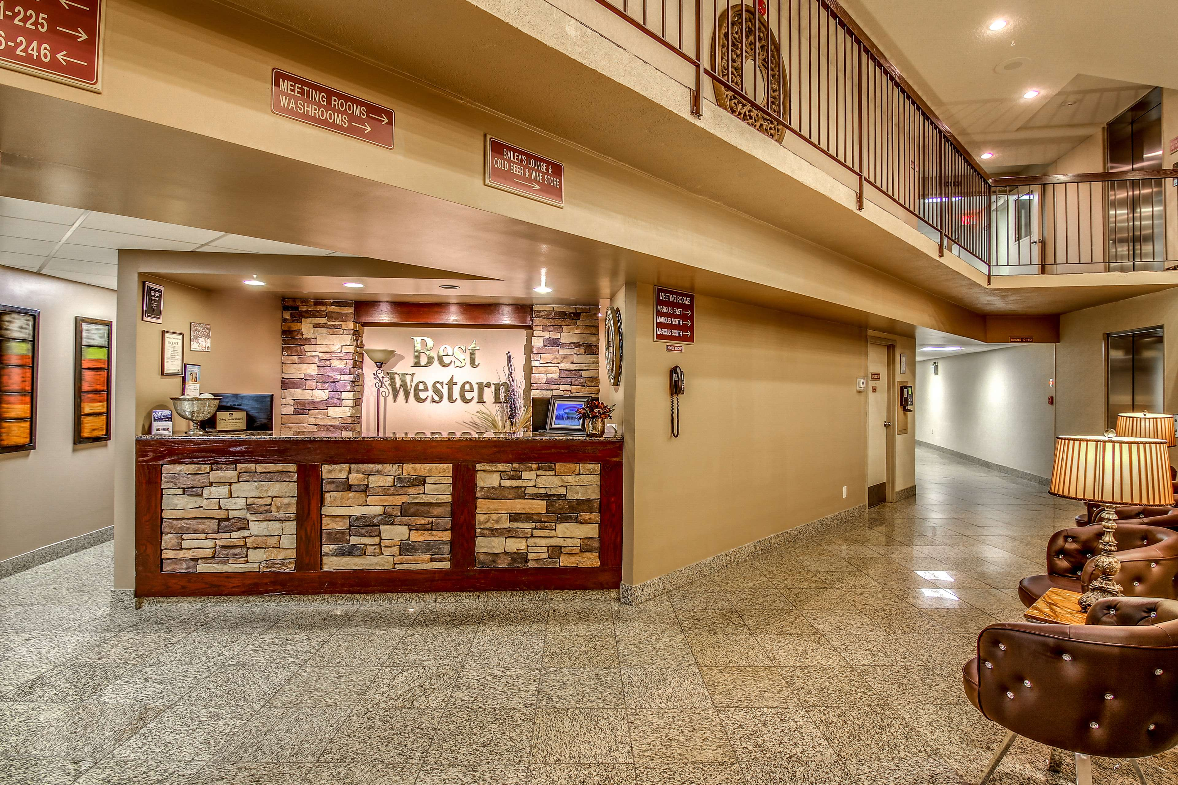 Best Western Marquis Inn & Suites in Prince Albert: Lobby