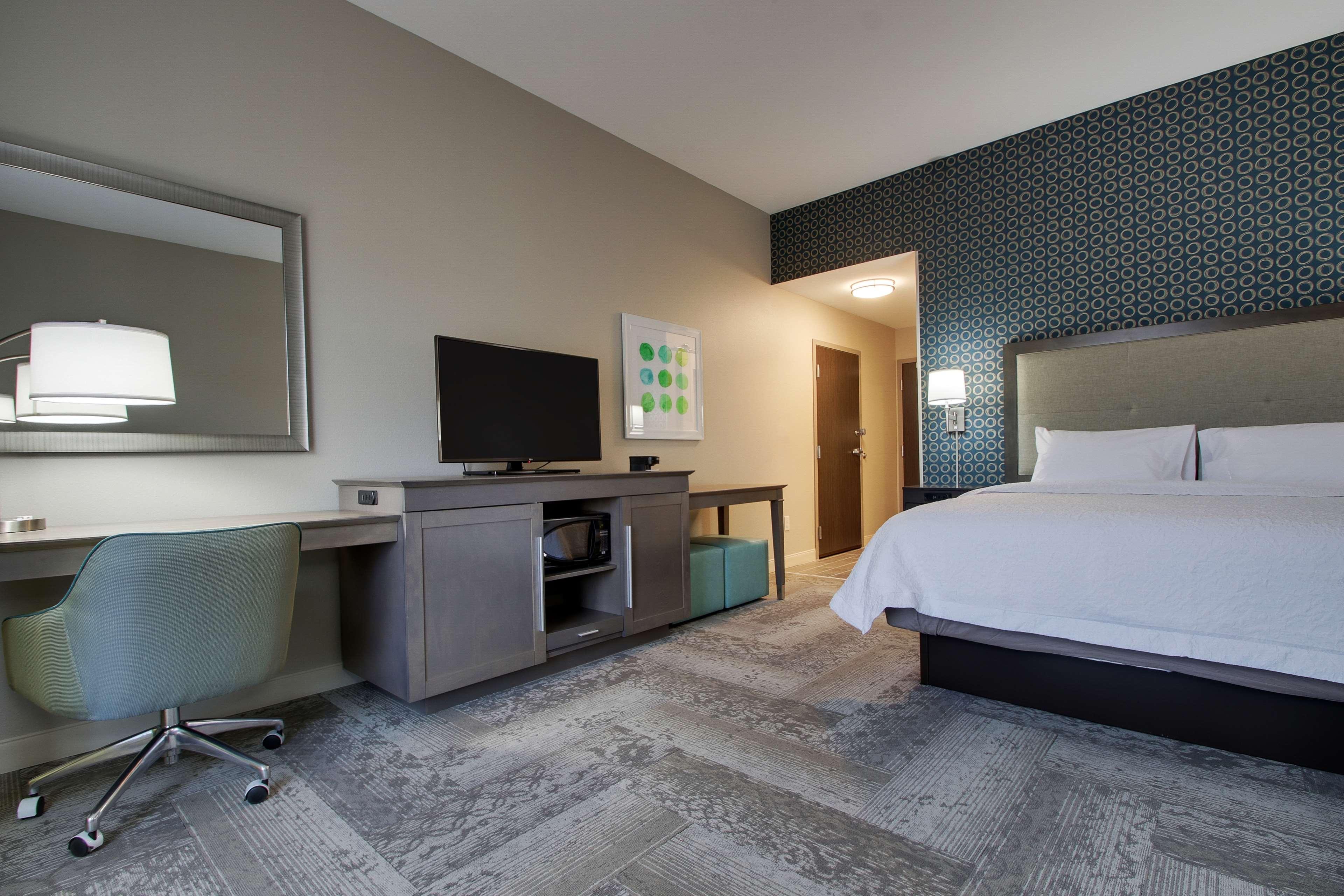 Hampton Inn & Suites Knightdale Raleigh image 22