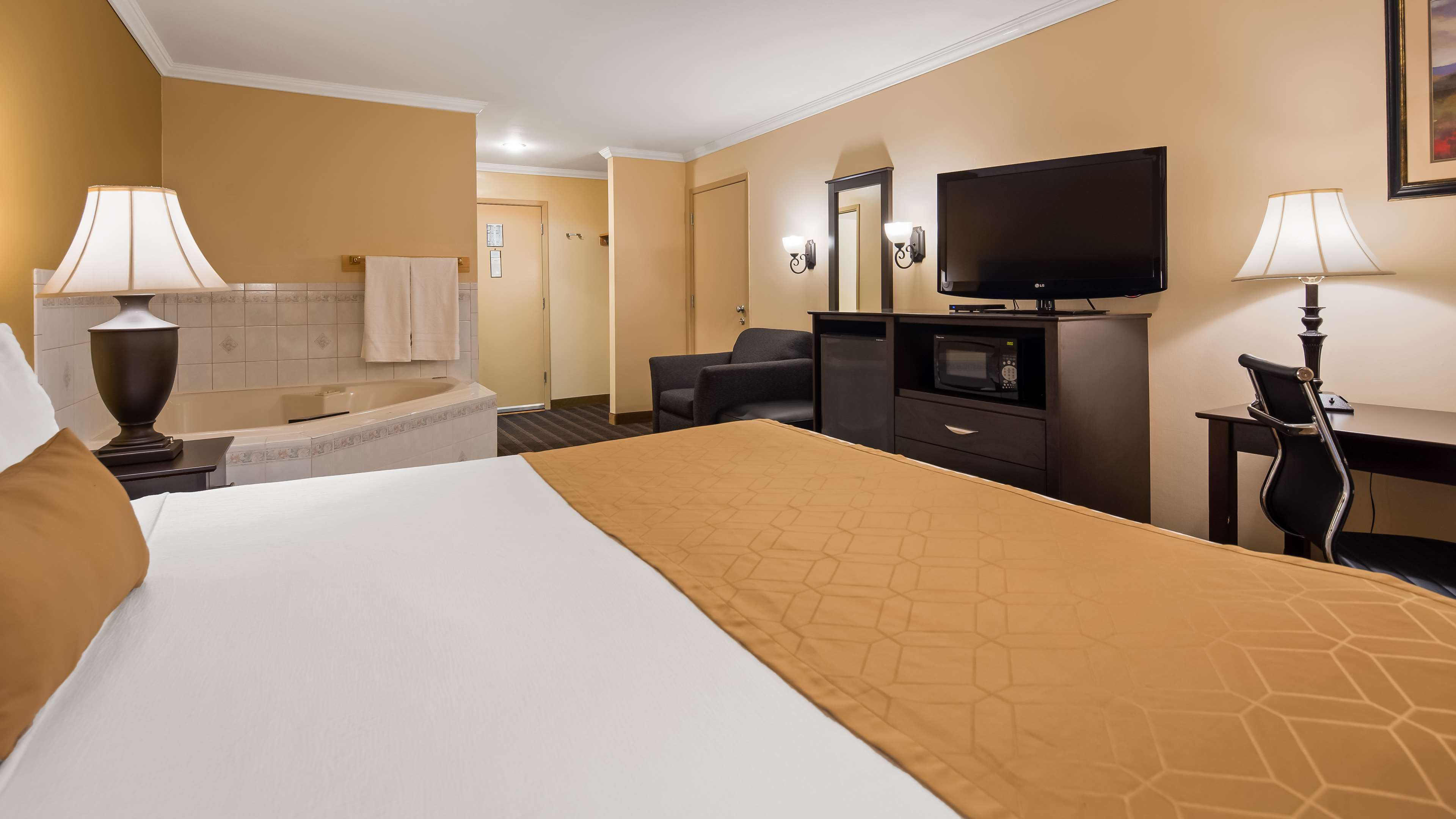 Best Western Inn & Suites image 6