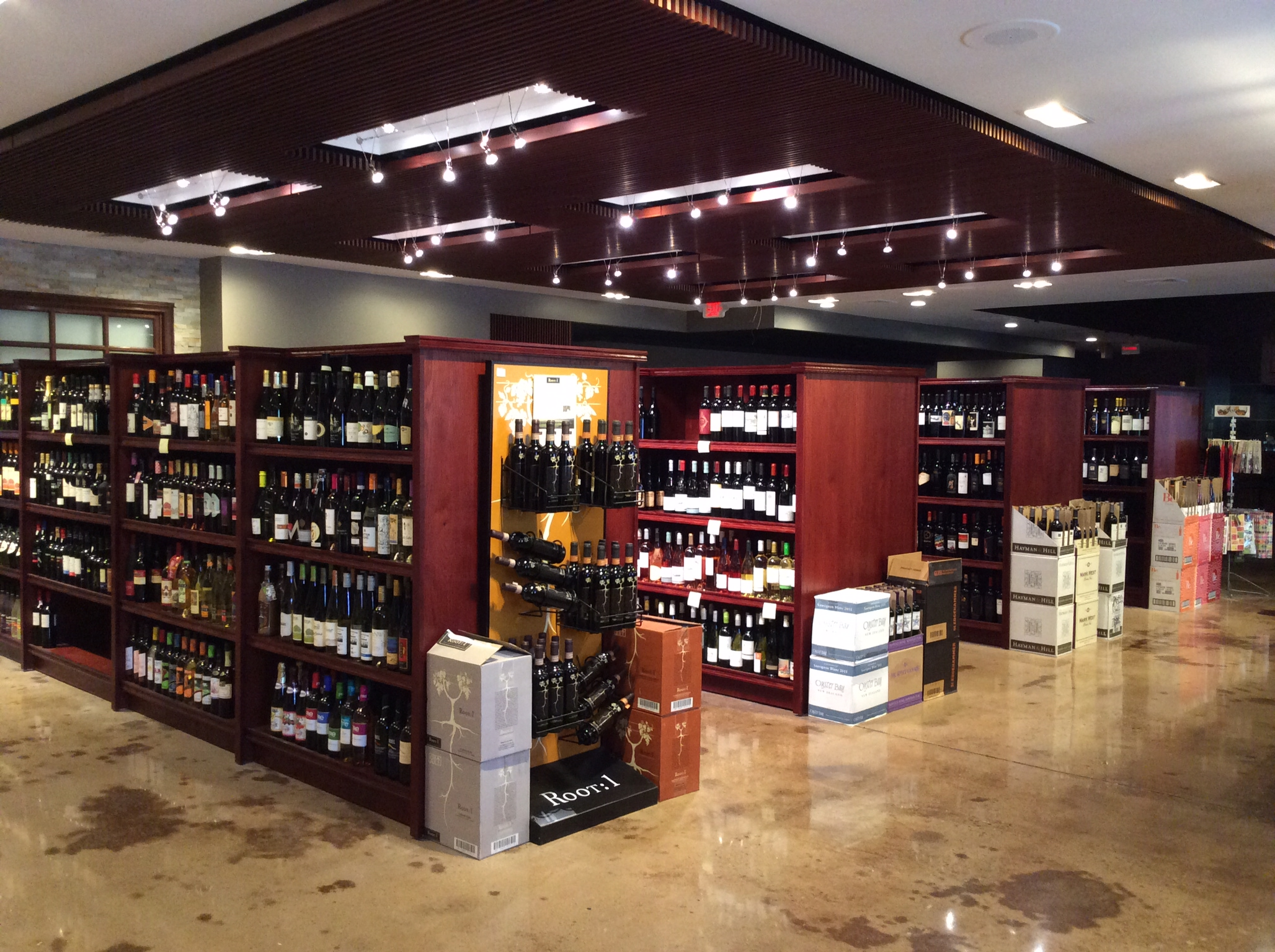 Ray's Wine Spirits Grill image 0
