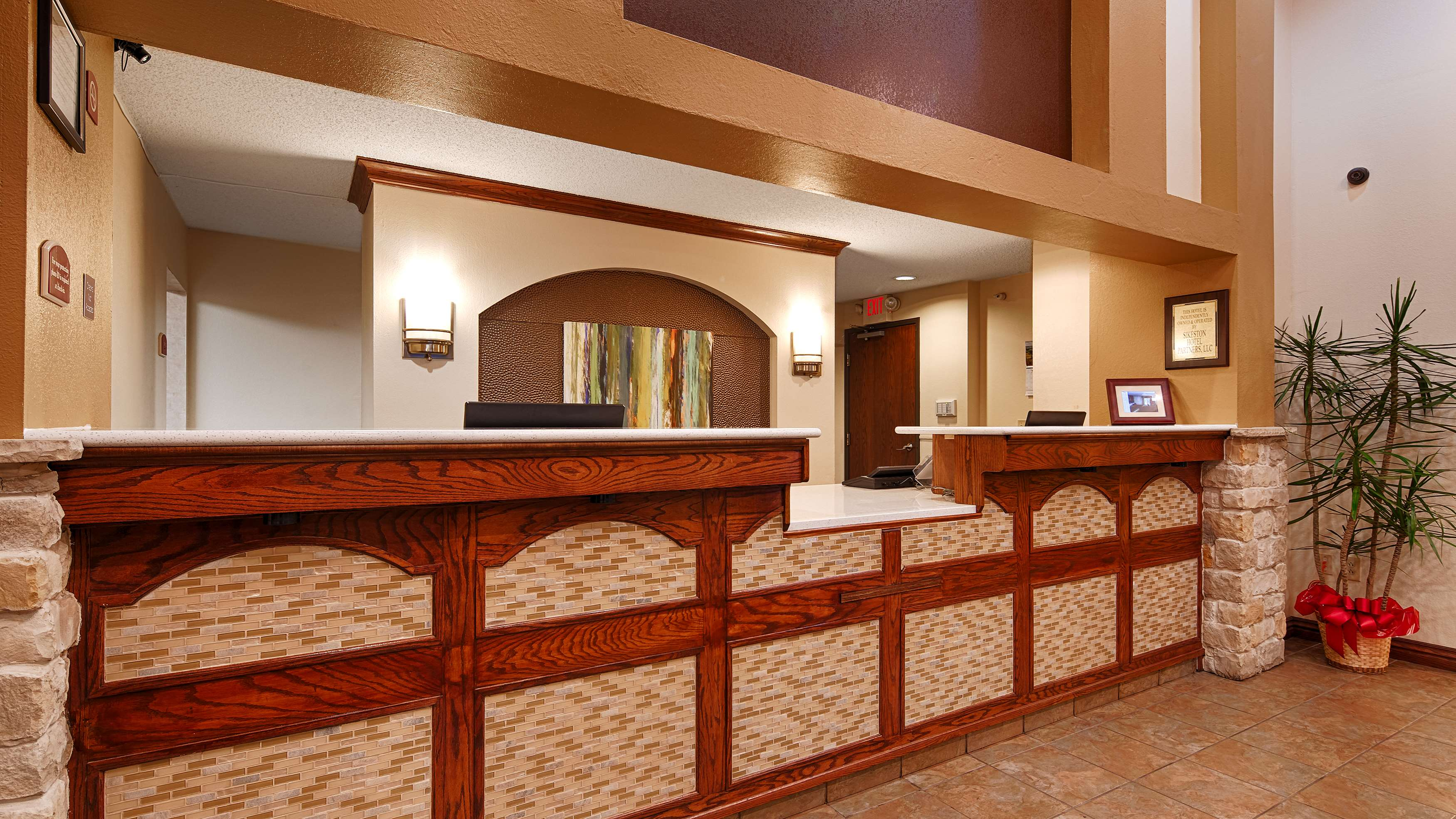 Best Western Plus Sikeston image 1