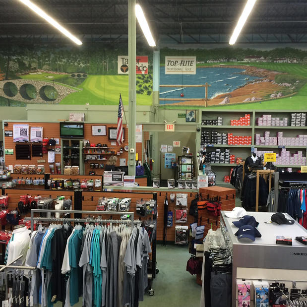 With over 40 years in the golf industry and 5 retail locations we have built strong relationship with all the top golf brands. This history provides us exclusive opportunites such as first access and closeout buys allowing us to pass the discount along.