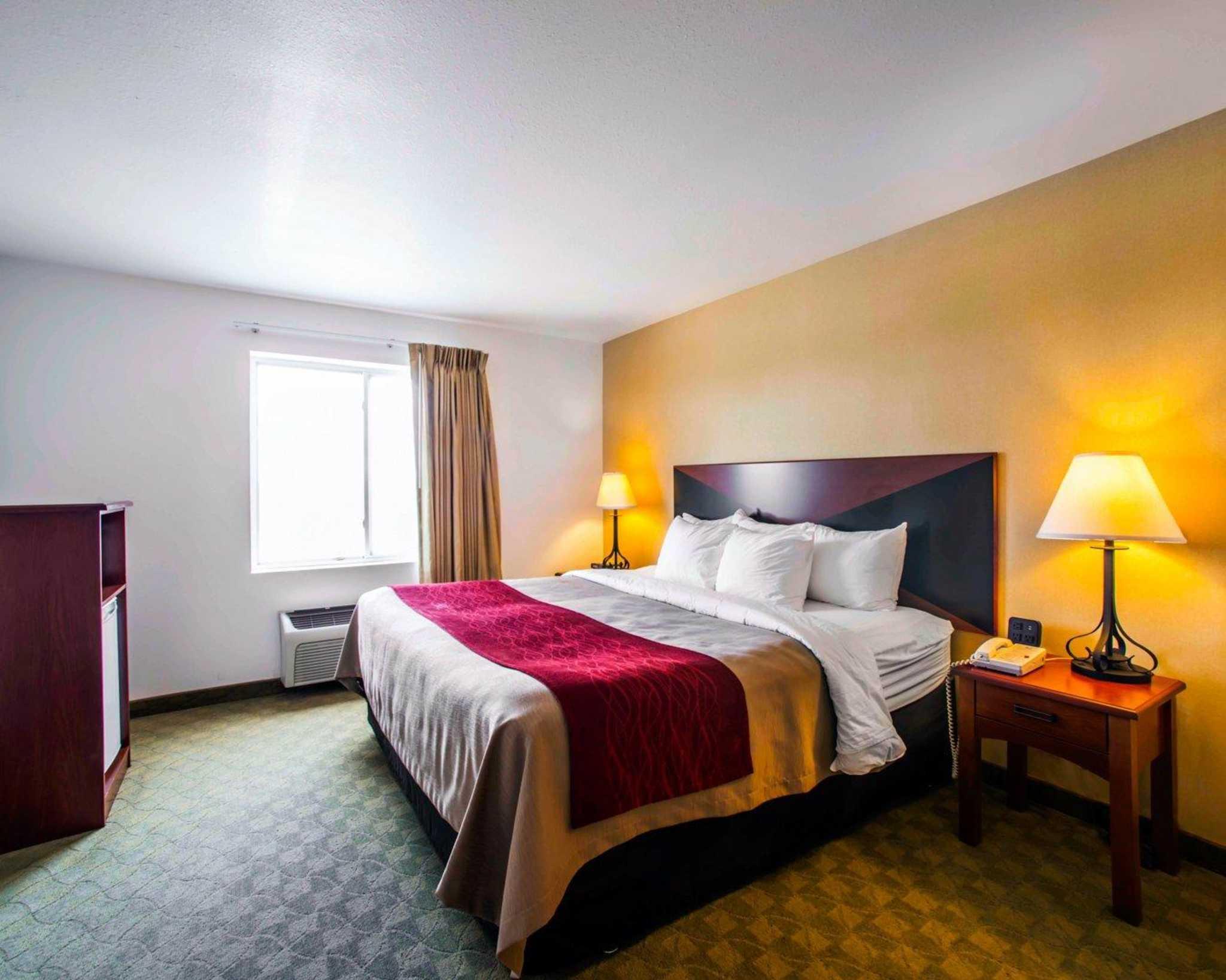 Comfort Inn & Suites Greenville I-70 image 12