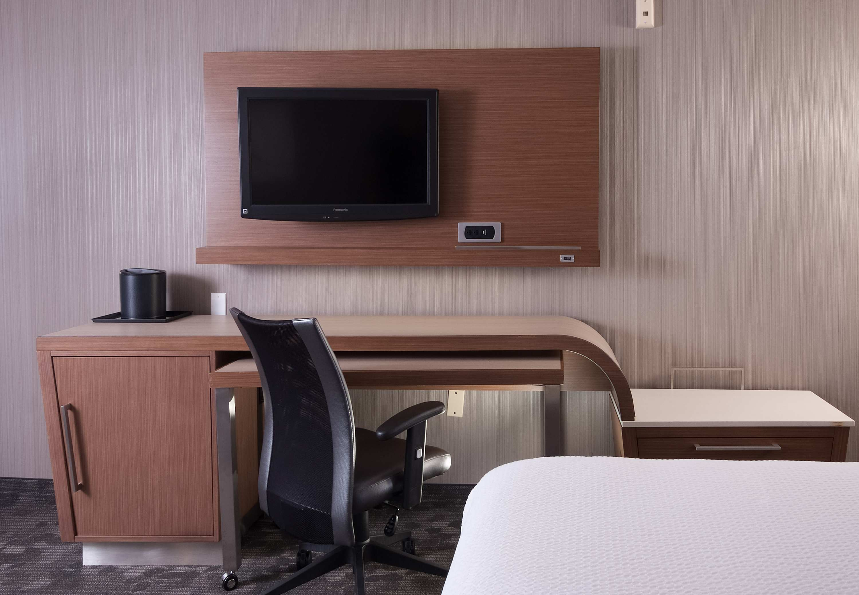 Courtyard by Marriott Greenville-Spartanburg Airport image 10